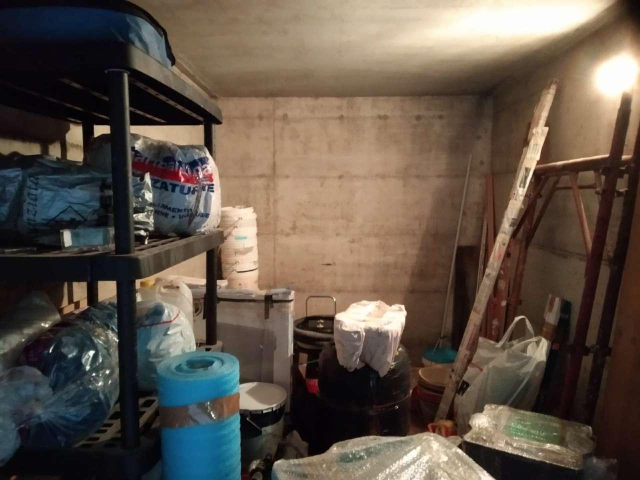 Box / Garage in affitto a Rho, 9999 locali, prezzo € 100 | CambioCasa.it