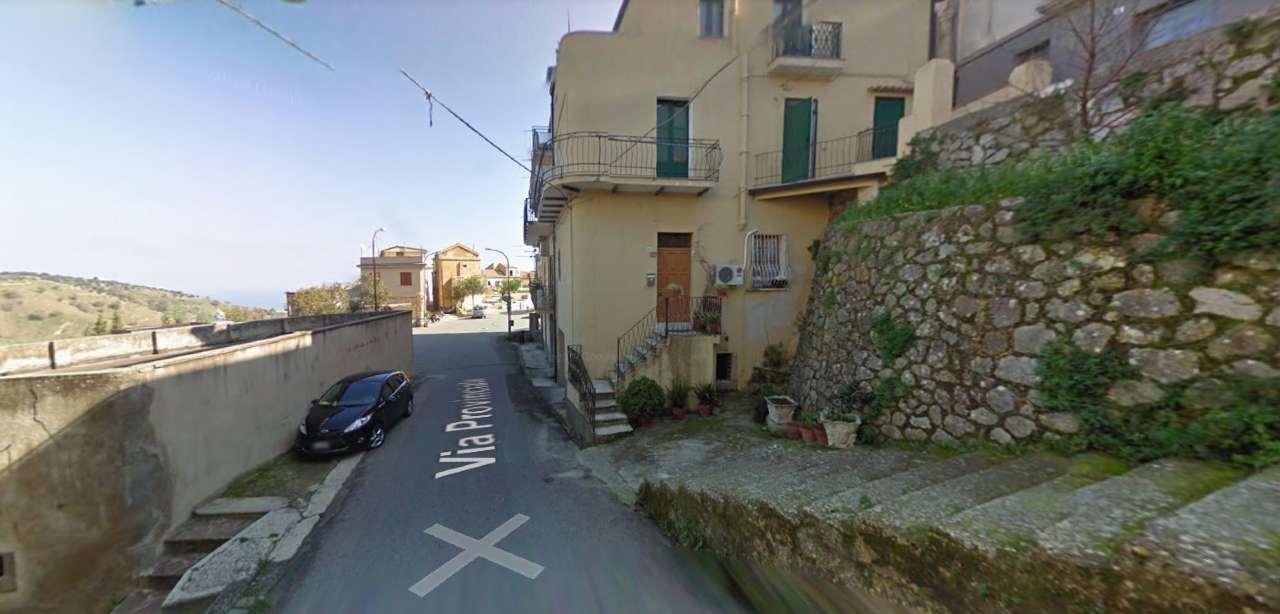 Appartamento in vendita a Badolato, 3 locali, Trattative riservate | CambioCasa.it