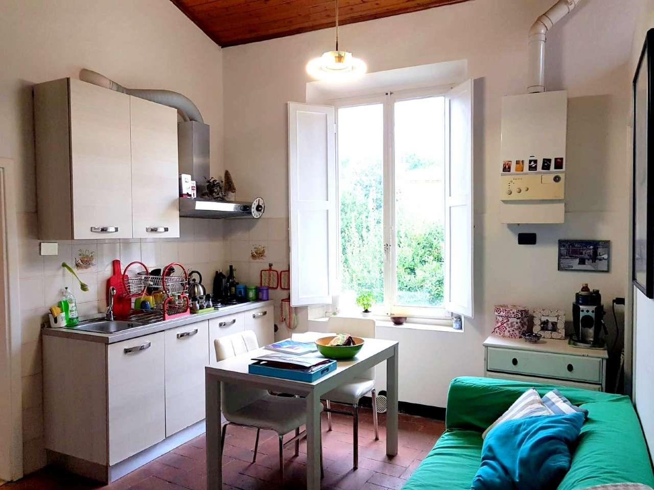 Appartamento ristrutturato parzialmente arredato in affitto Rif. 8887663