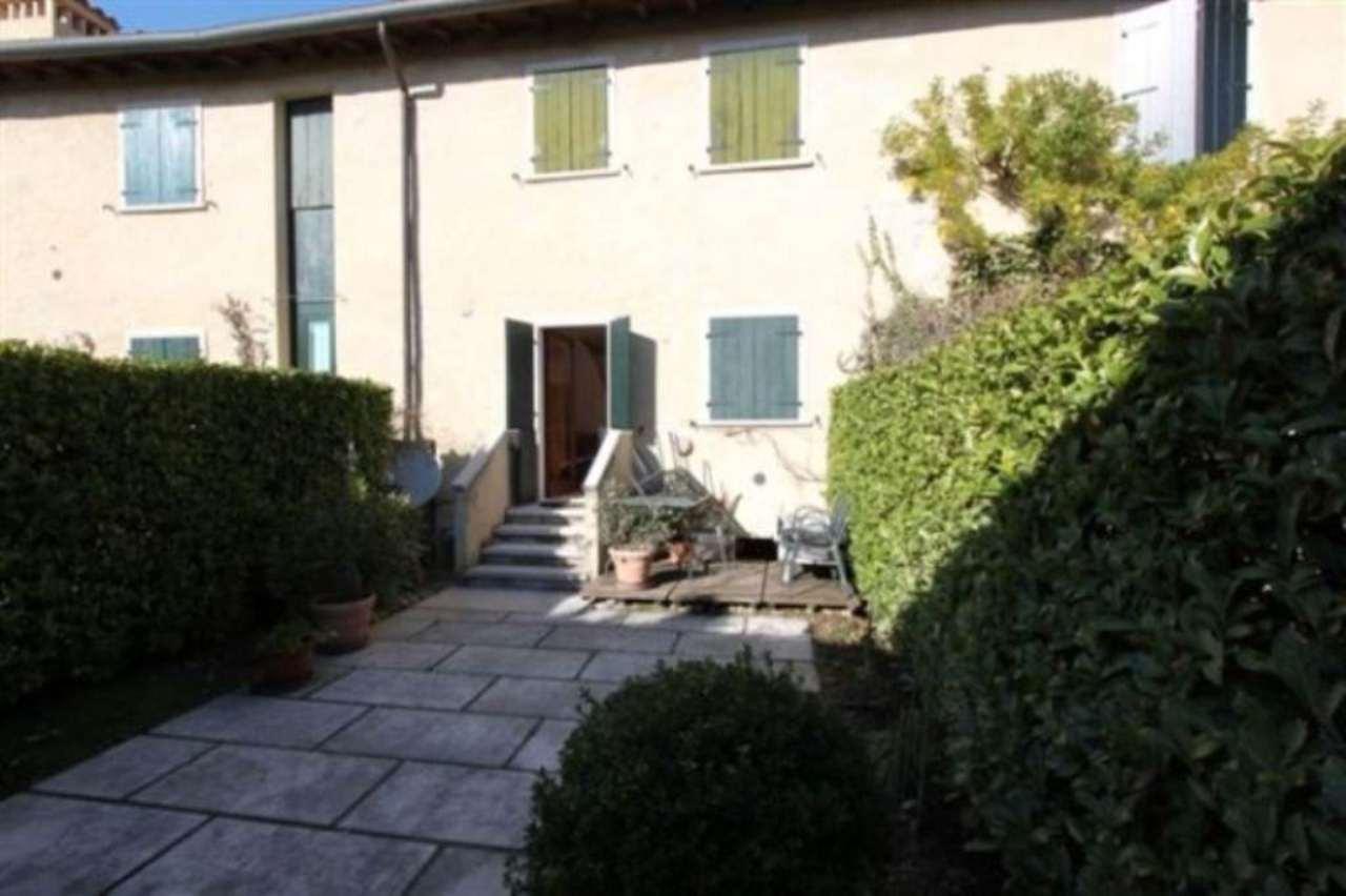 Appartamento in ottime condizioni arredato in affitto Rif. 5178608