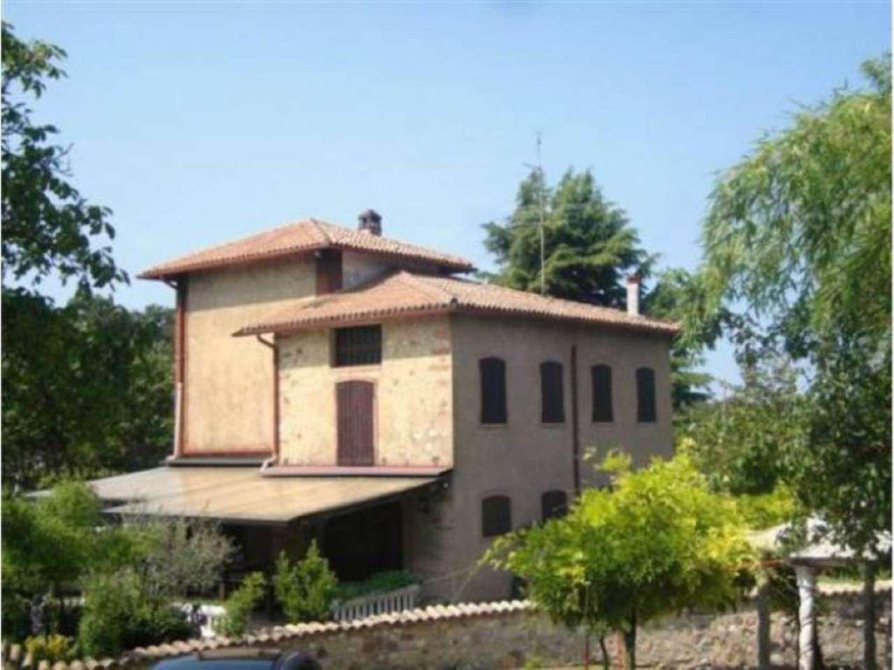Attività / Licenza in vendita a Costermano, 7 locali, Trattative riservate | CambioCasa.it