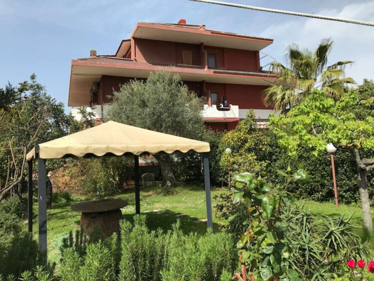 Villa Bifamiliare in vendita a Roma, 6 locali, zona Zona: 28 . Torrevecchia - Pineta Sacchetti - Ottavia, prezzo € 580.000 | CambioCasa.it