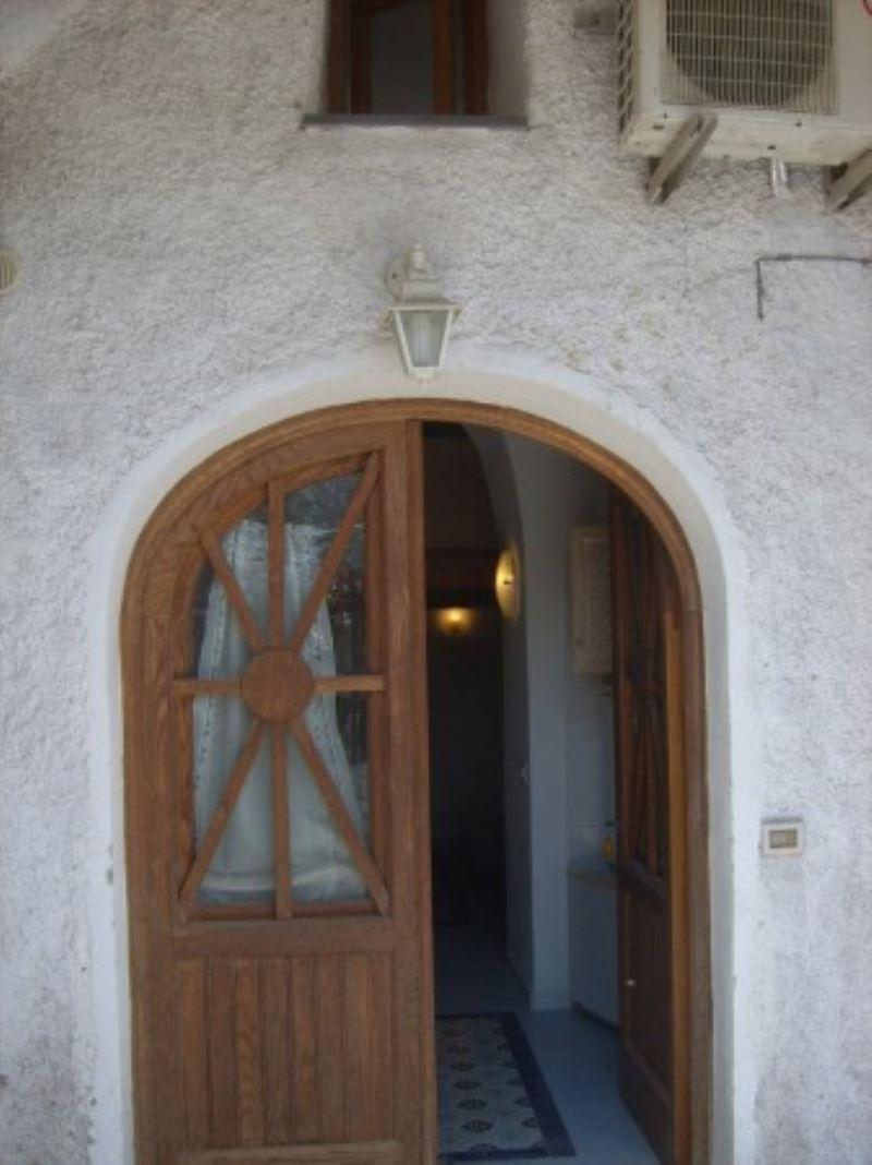 Appartamento in buone condizioni arredato in vendita Rif. 5179868