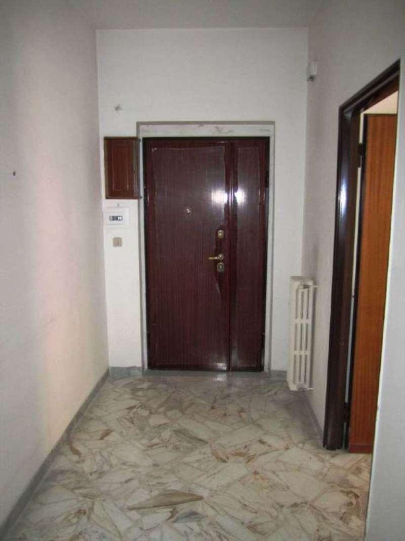 Stanza / posto letto ristrutturato arredato in affitto Rif. 6568754