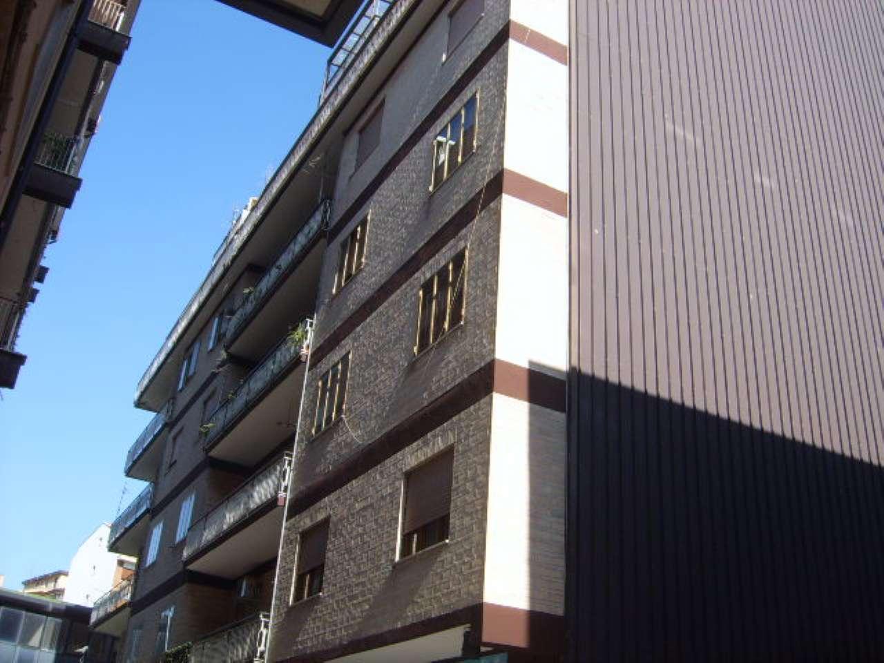 piccolo locale deposito laboratorio 180 euro mensili Rif. 6921736