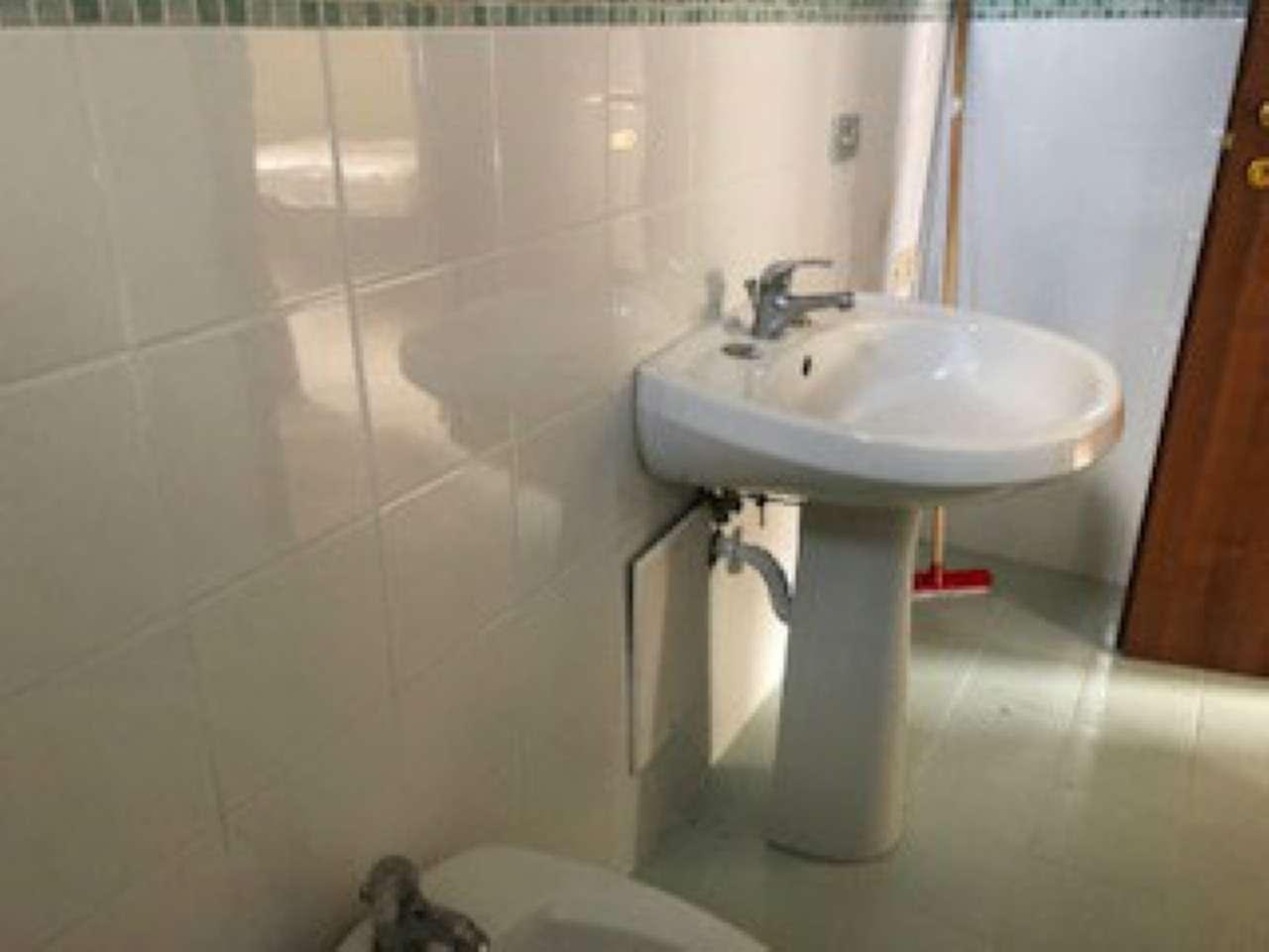 Appartamento in buone condizioni arredato in affitto Rif. 7337954