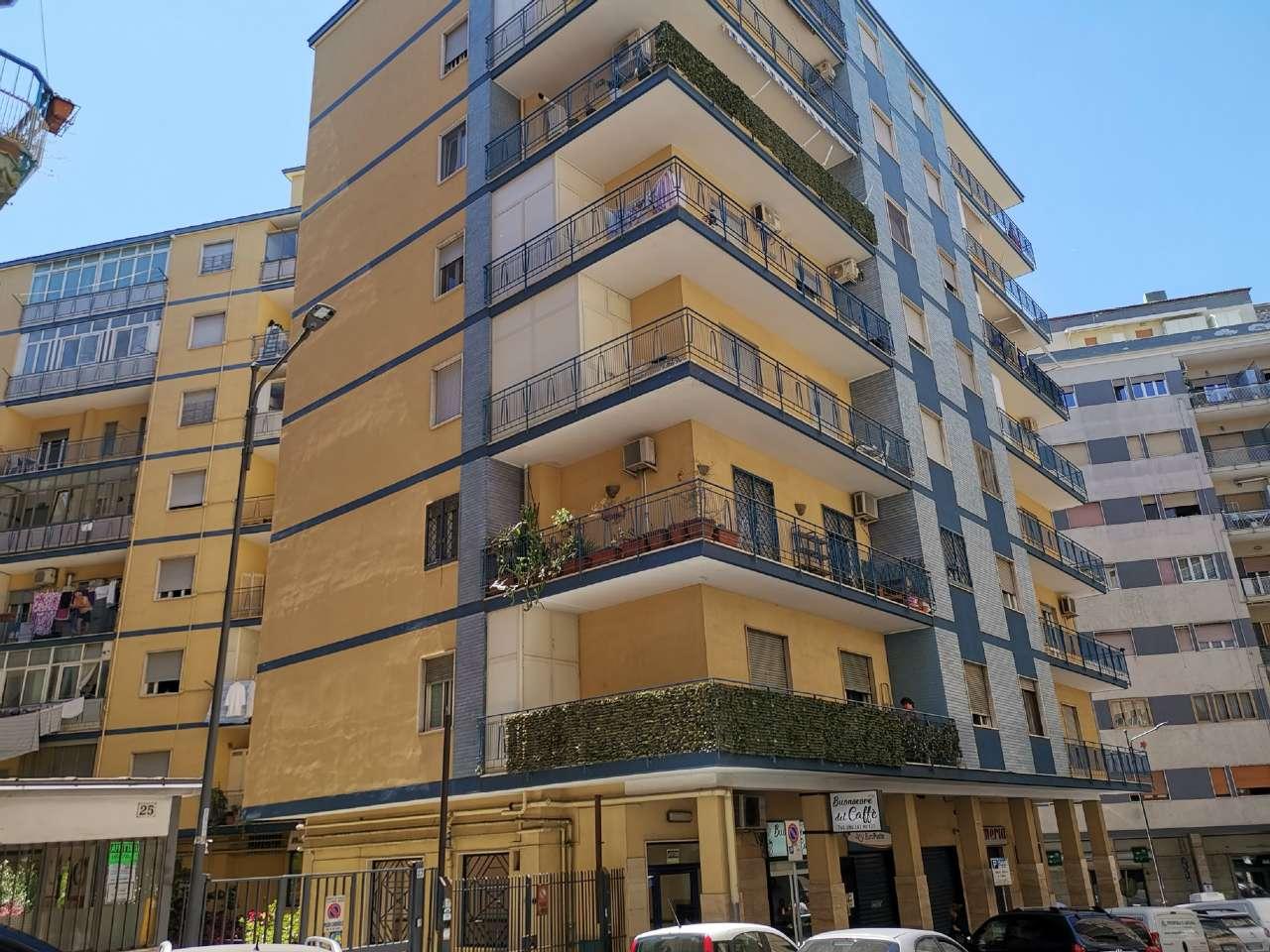 Case e appartamenti in vendita a napoli for Appartamenti napoli