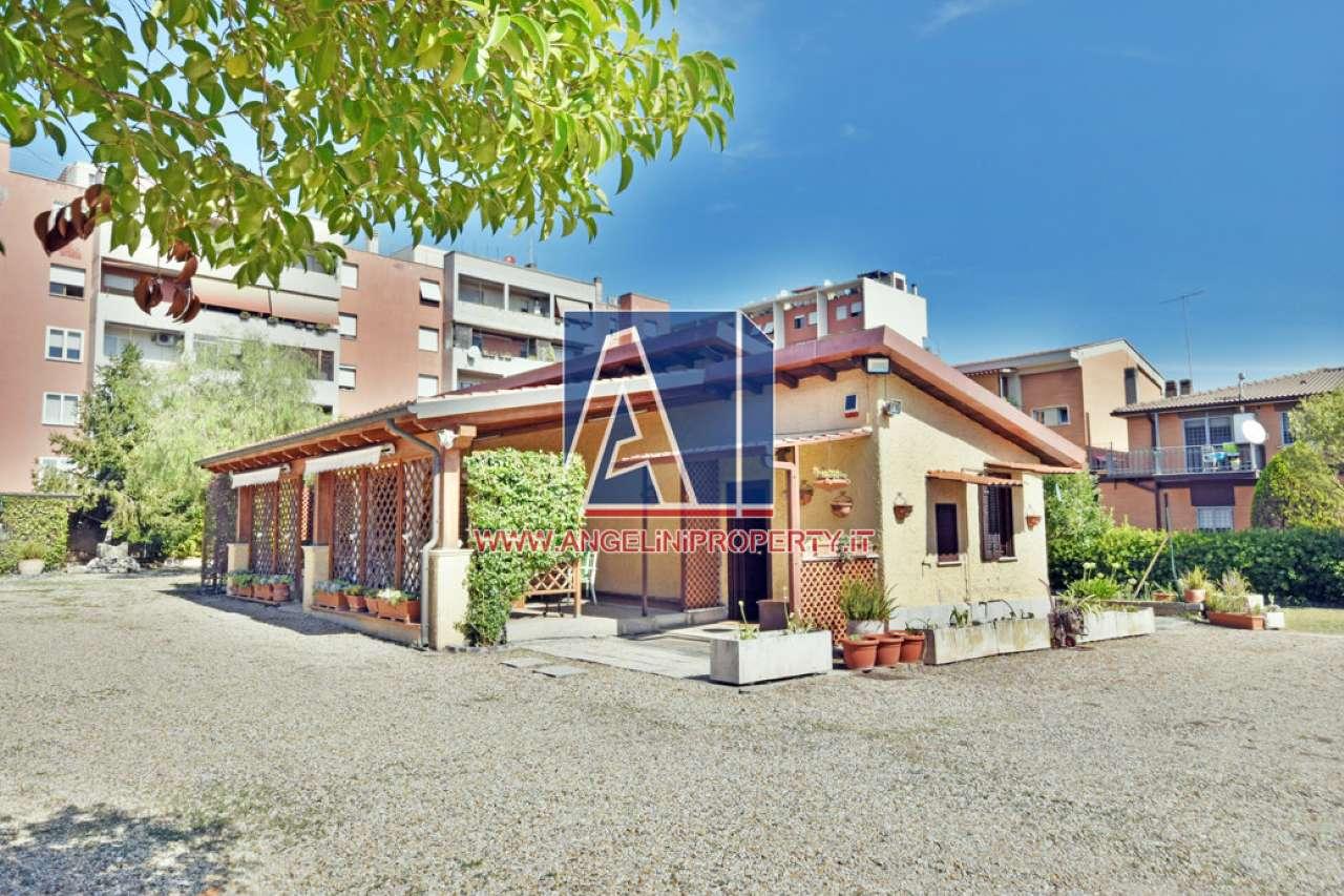 Villa in vendita a Roma, 6 locali, zona Zona: 18 . Ardeatino - Grotta Perfetta - Fonte Meravigliosa, prezzo € 700.000 | CambioCasa.it