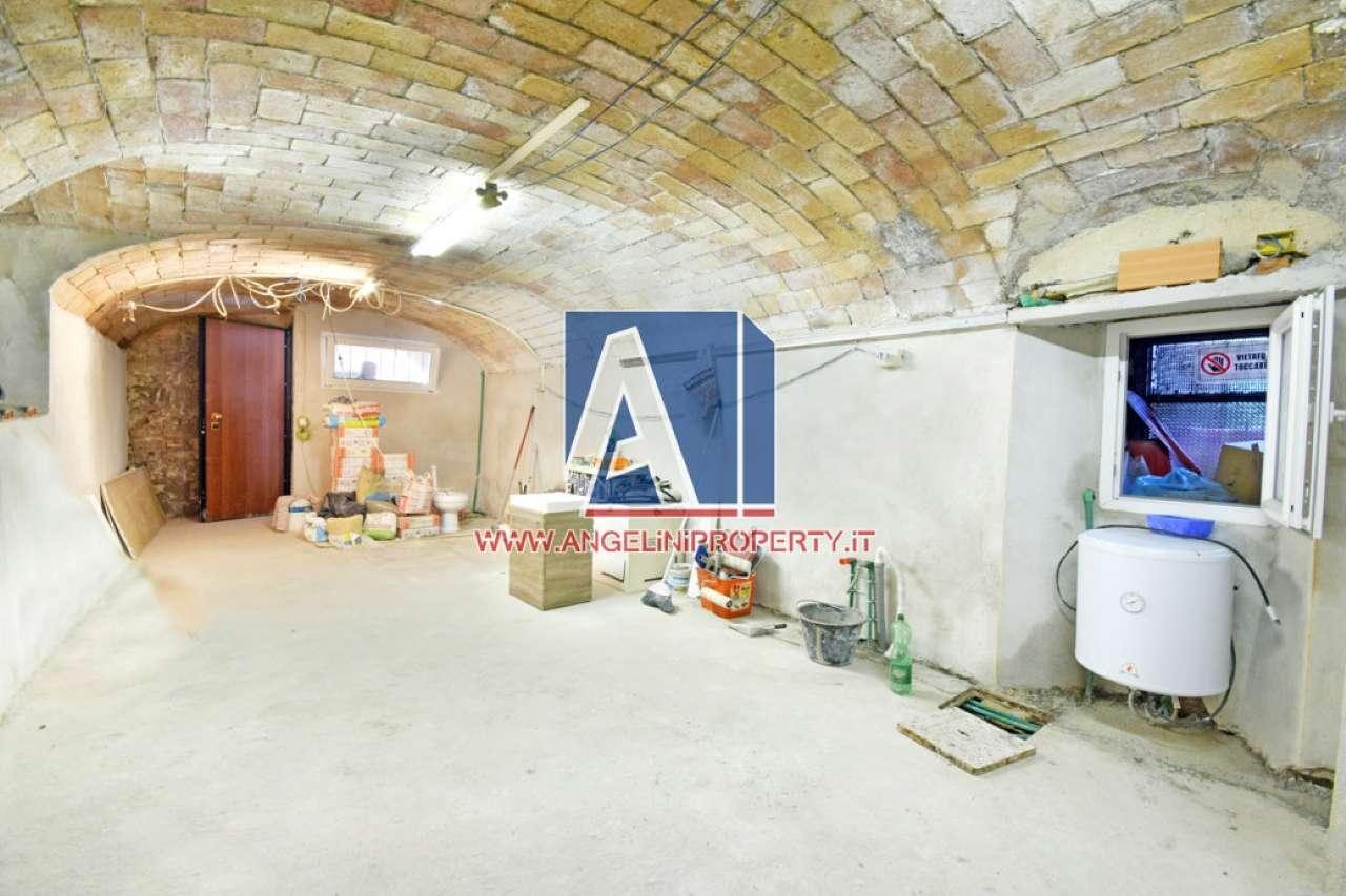 Loft / Openspace in vendita a Roma, 2 locali, zona Zona: 16 . Appia nuova - Alberone - Colli Albani, prezzo € 29.000 | CambioCasa.it