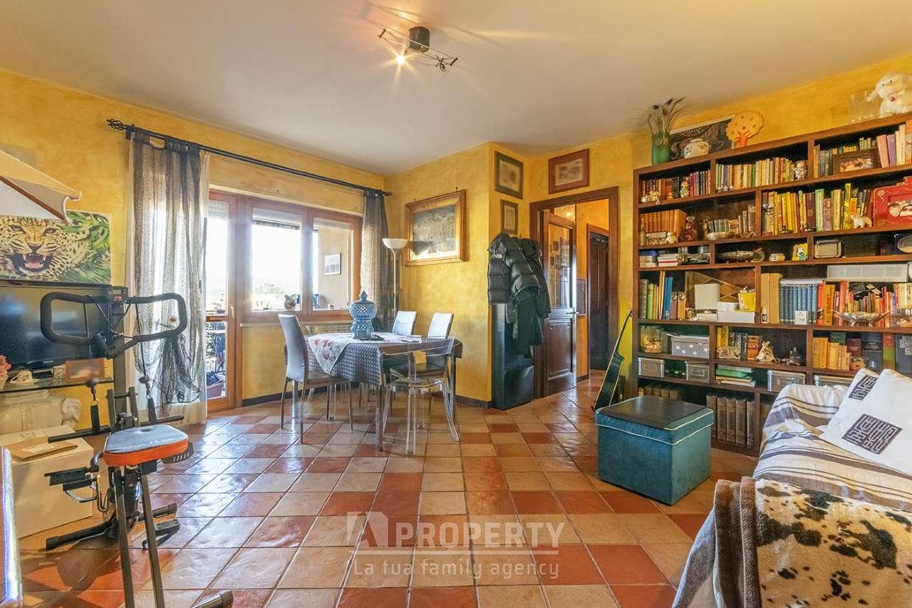 Appartamento in vendita a Fara in Sabina, 4 locali, prezzo € 164.000 | PortaleAgenzieImmobiliari.it