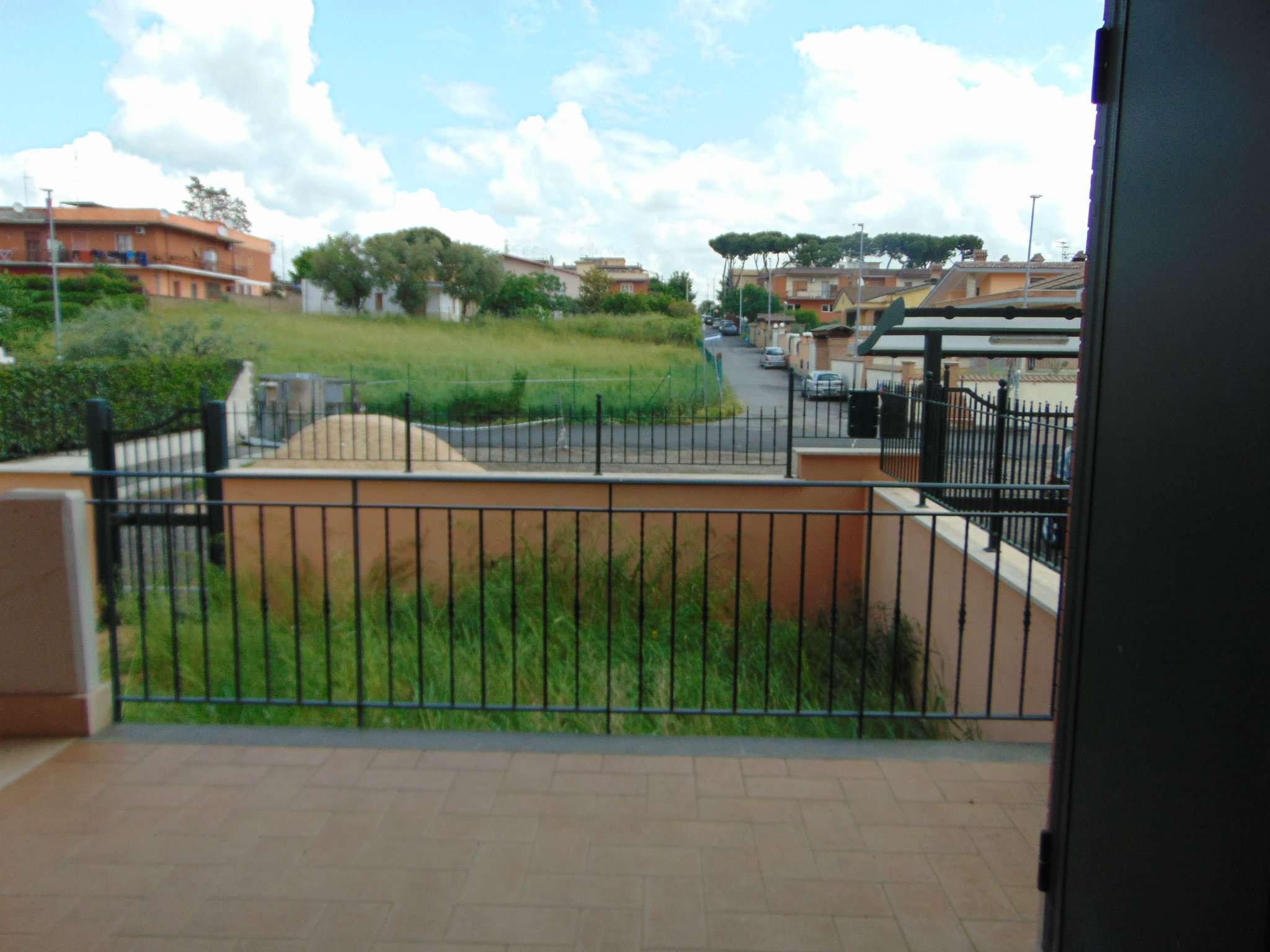 Appartamento in vendita a Roma, 4 locali, zona Zona: 36 . Finocchio, Torre Gaia, Tor Vergata, Borghesiana, prezzo € 235.000   CambioCasa.it