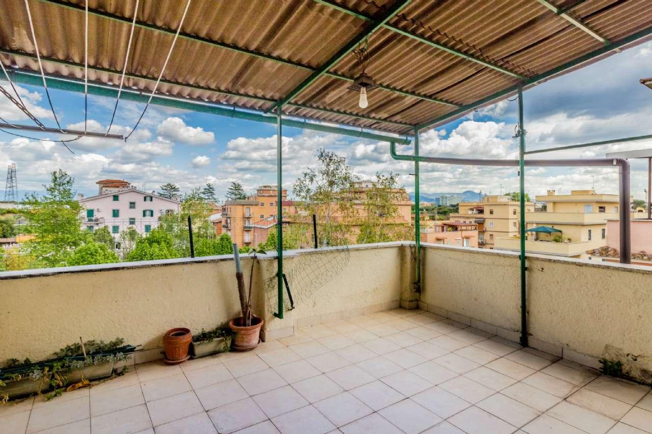 Attico / Mansarda in vendita a Roma, 2 locali, zona Zona: 11 . Centocelle, Alessandrino, Collatino, Prenestina, Villa Giordani, prezzo € 109.000 | CambioCasa.it