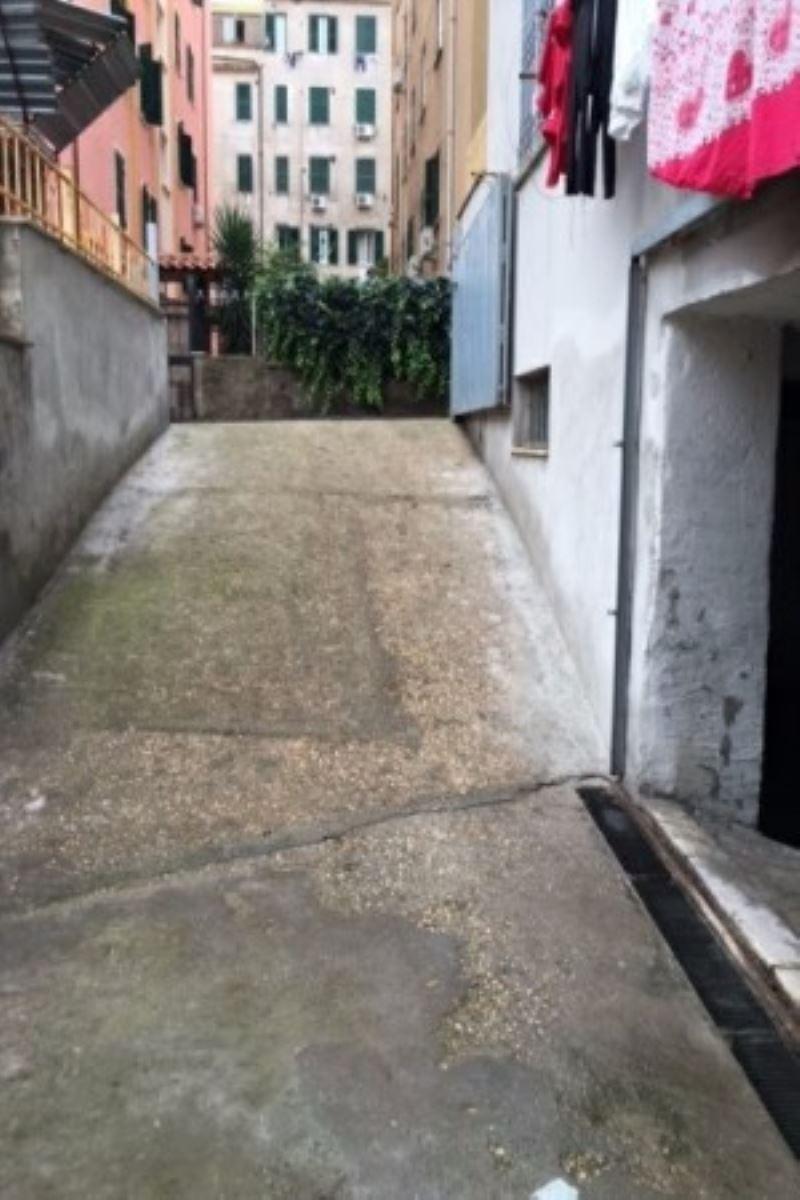 Laboratorio in vendita a Roma, 6 locali, zona Zona: 11 . Centocelle, Alessandrino, Collatino, Prenestina, Villa Giordani, prezzo € 59.000 | CambioCasa.it