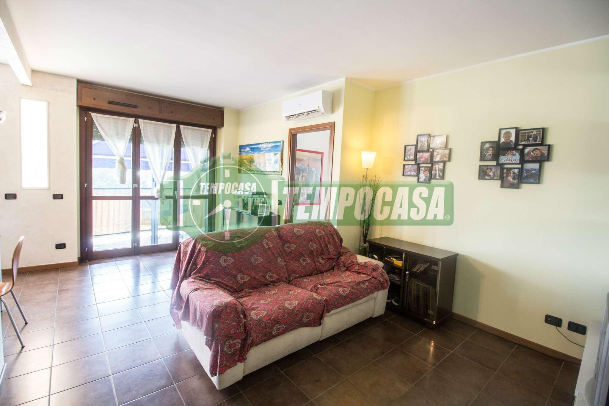Appartamento in ottime condizioni in vendita Rif. 7933724
