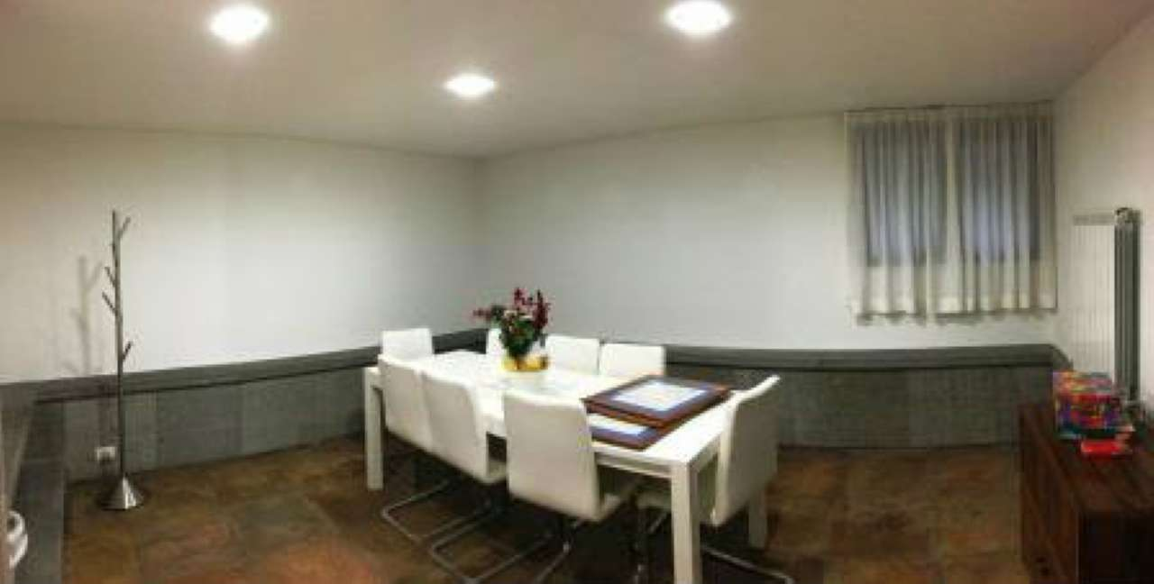 Ville da ristrutturare in affitto a roma in zona eur for Affitto uffici zona eur