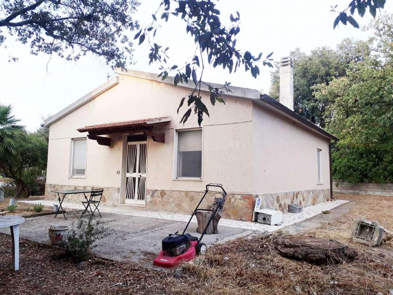 Villa in buone condizioni arredato in vendita Rif. 8141892