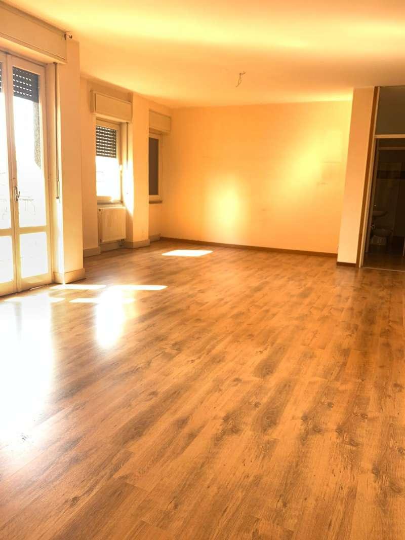 Appartamento in affitto a Lissone, 3 locali, prezzo € 550 | CambioCasa.it