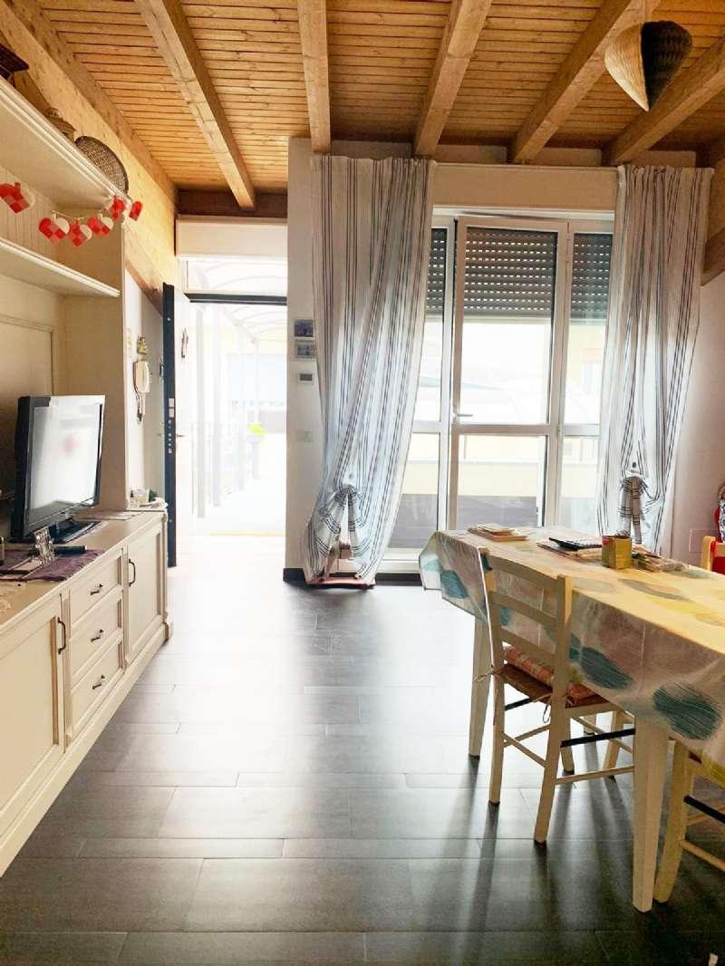 Appartamento in vendita a Lissone, 3 locali, prezzo € 150.000 | CambioCasa.it