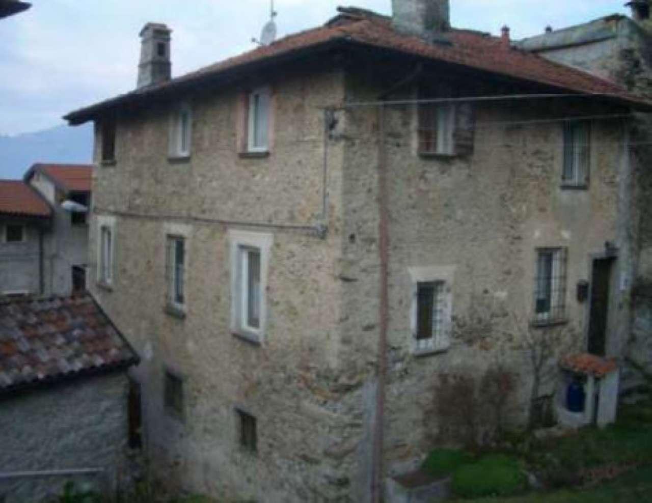 Appartamento da ristrutturare parzialmente arredato in vendita Rif. 7496356