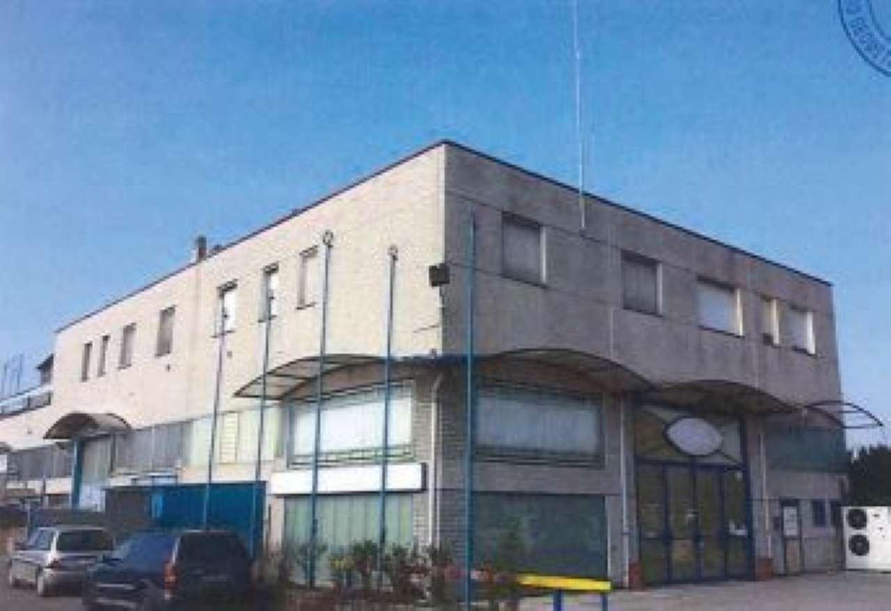 Appartamento da ristrutturare parzialmente arredato in vendita Rif. 7678364