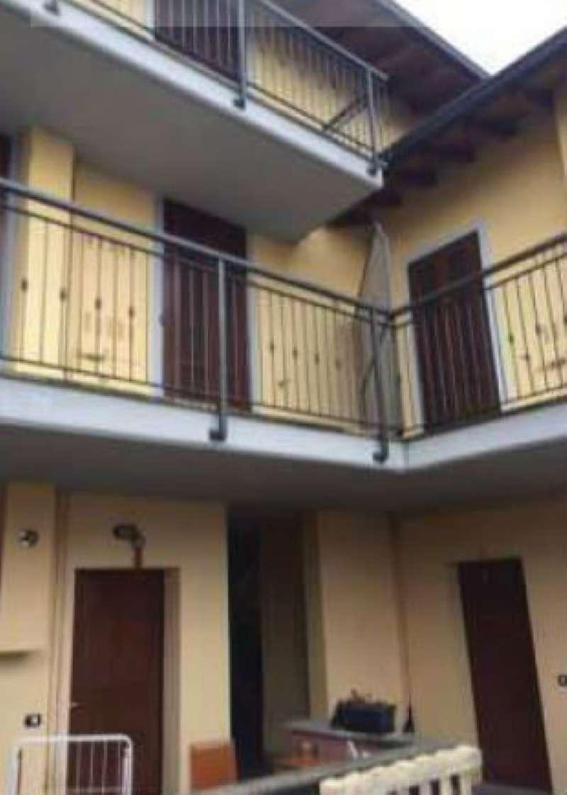 Appartamento in buone condizioni parzialmente arredato in vendita Rif. 8341139