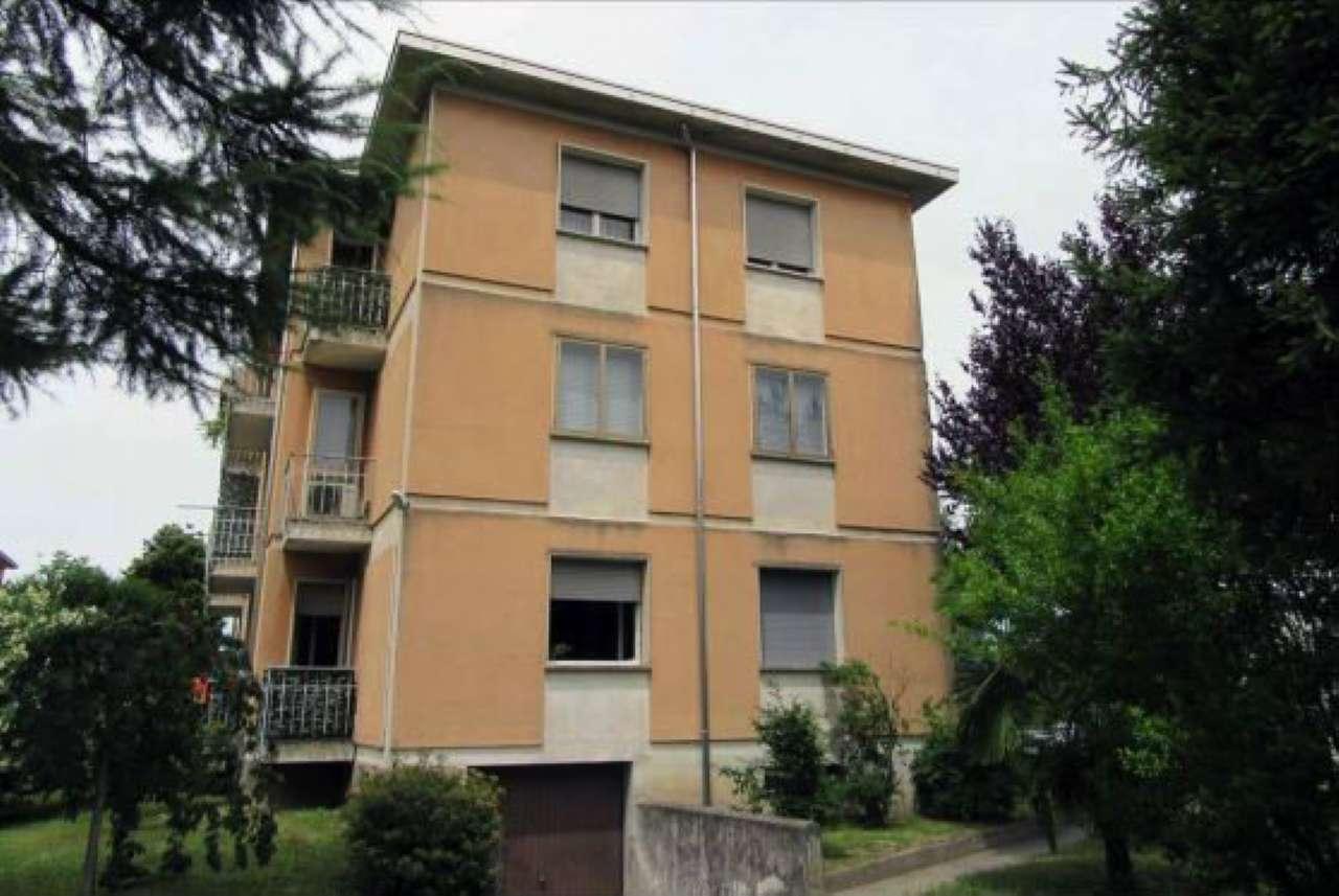 Appartamento in buone condizioni parzialmente arredato in vendita Rif. 8443482