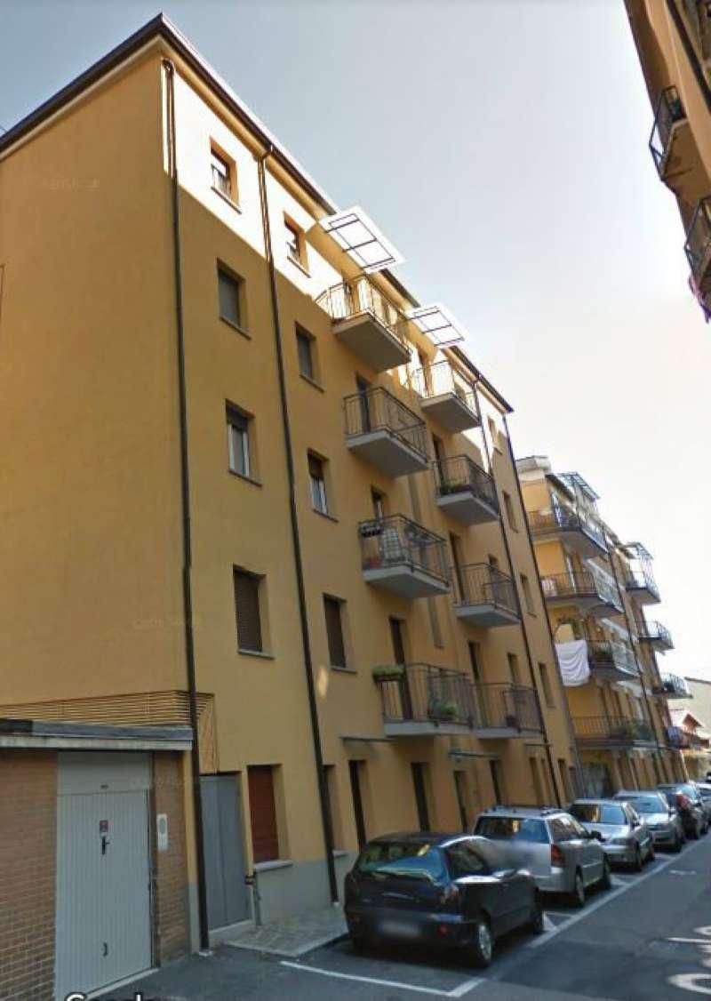 Appartamento in buone condizioni parzialmente arredato in vendita Rif. 8595144