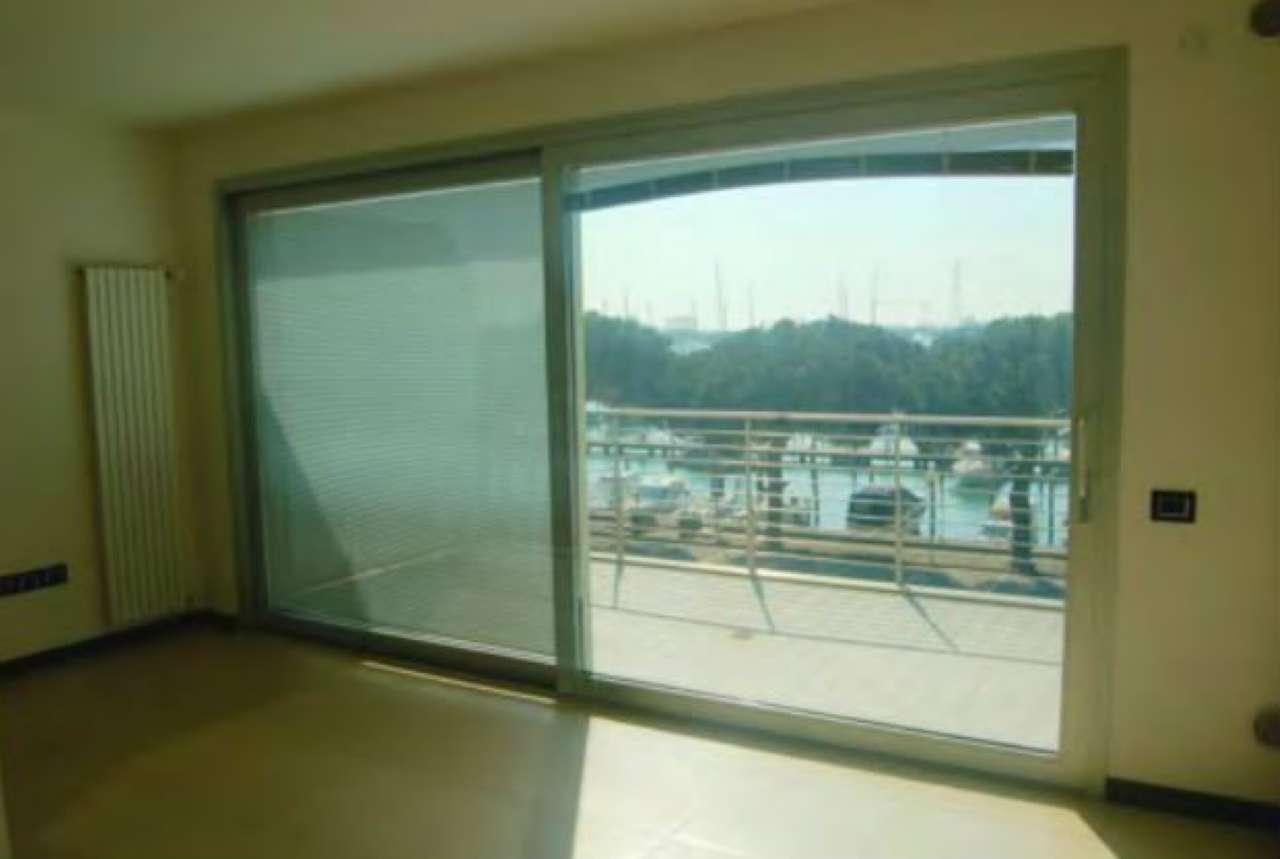 Appartamento in buone condizioni in vendita Rif. 9180374