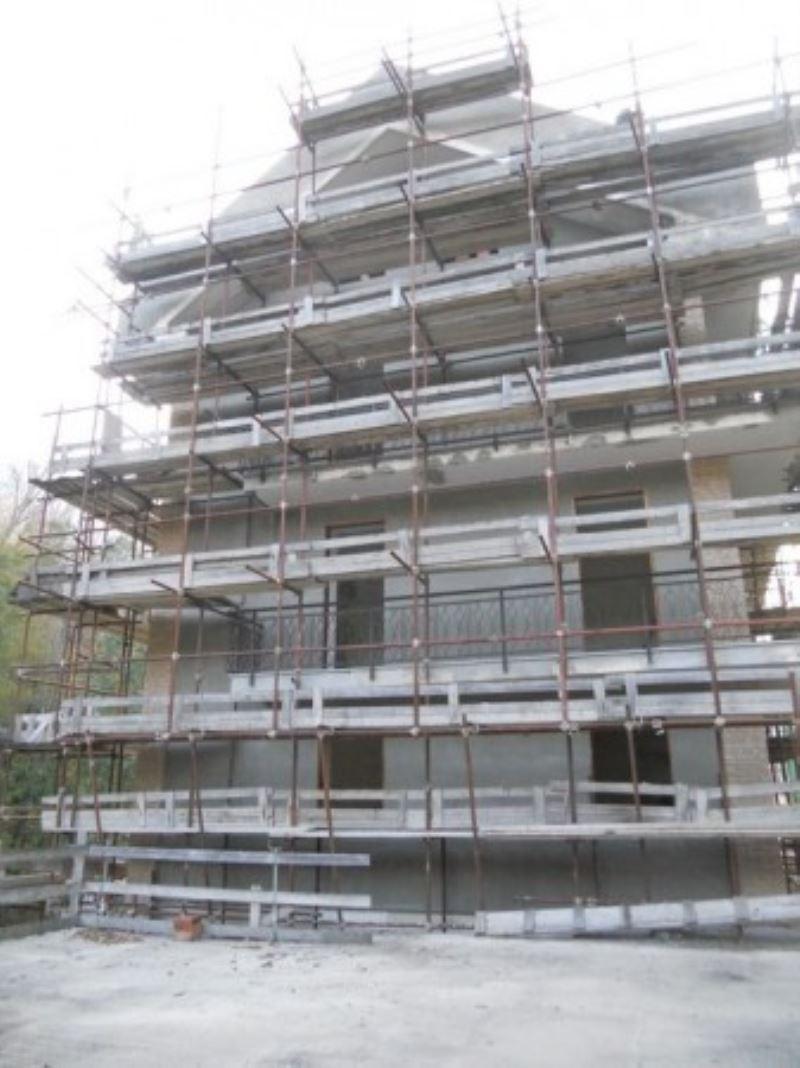 Palazzo / Stabile in vendita a Meana di Susa, 20 locali, prezzo € 99.000 | CambioCasa.it