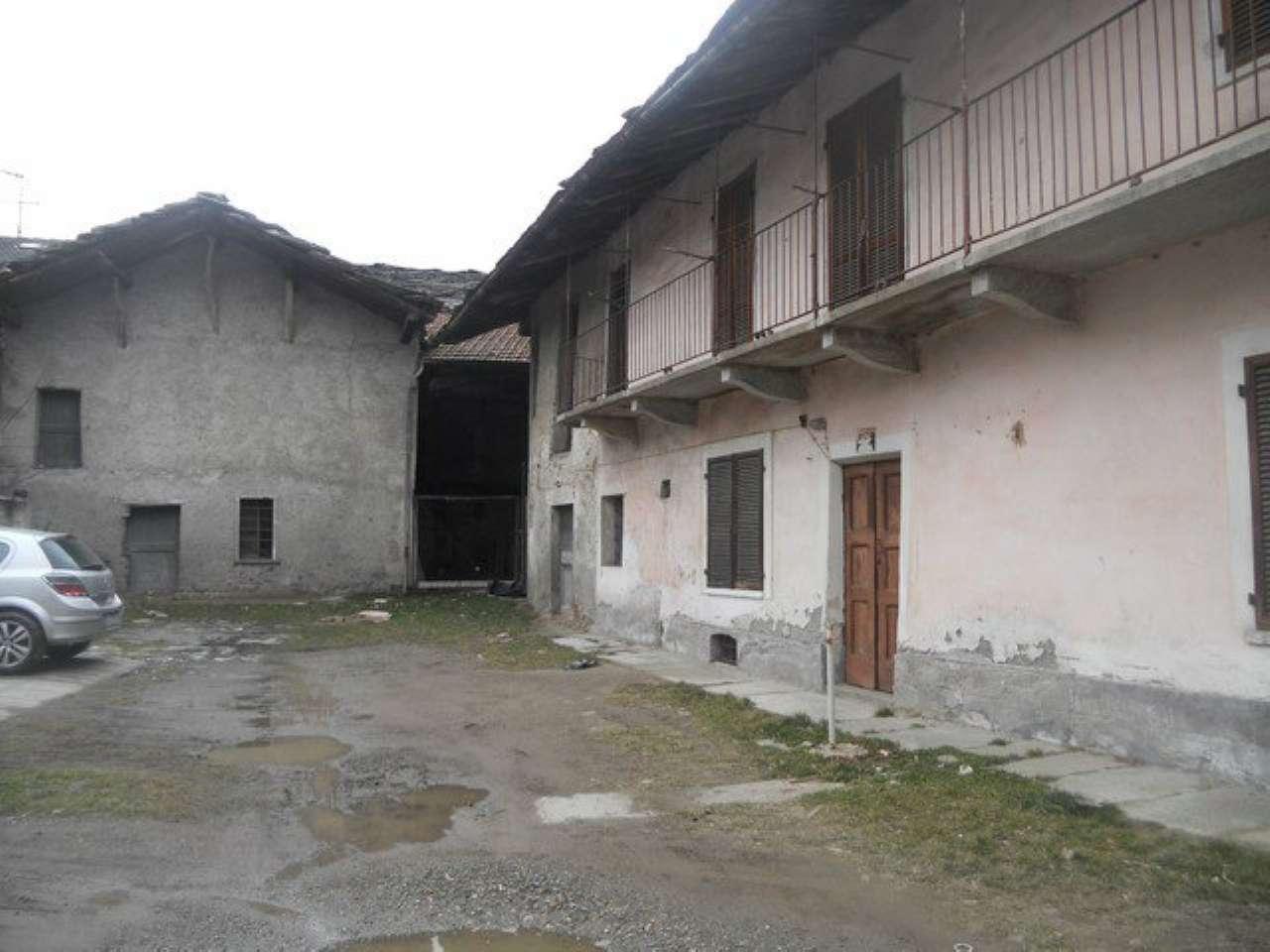 Rustico / Casale in vendita a San Giorio di Susa, 10 locali, prezzo € 39.000 | PortaleAgenzieImmobiliari.it