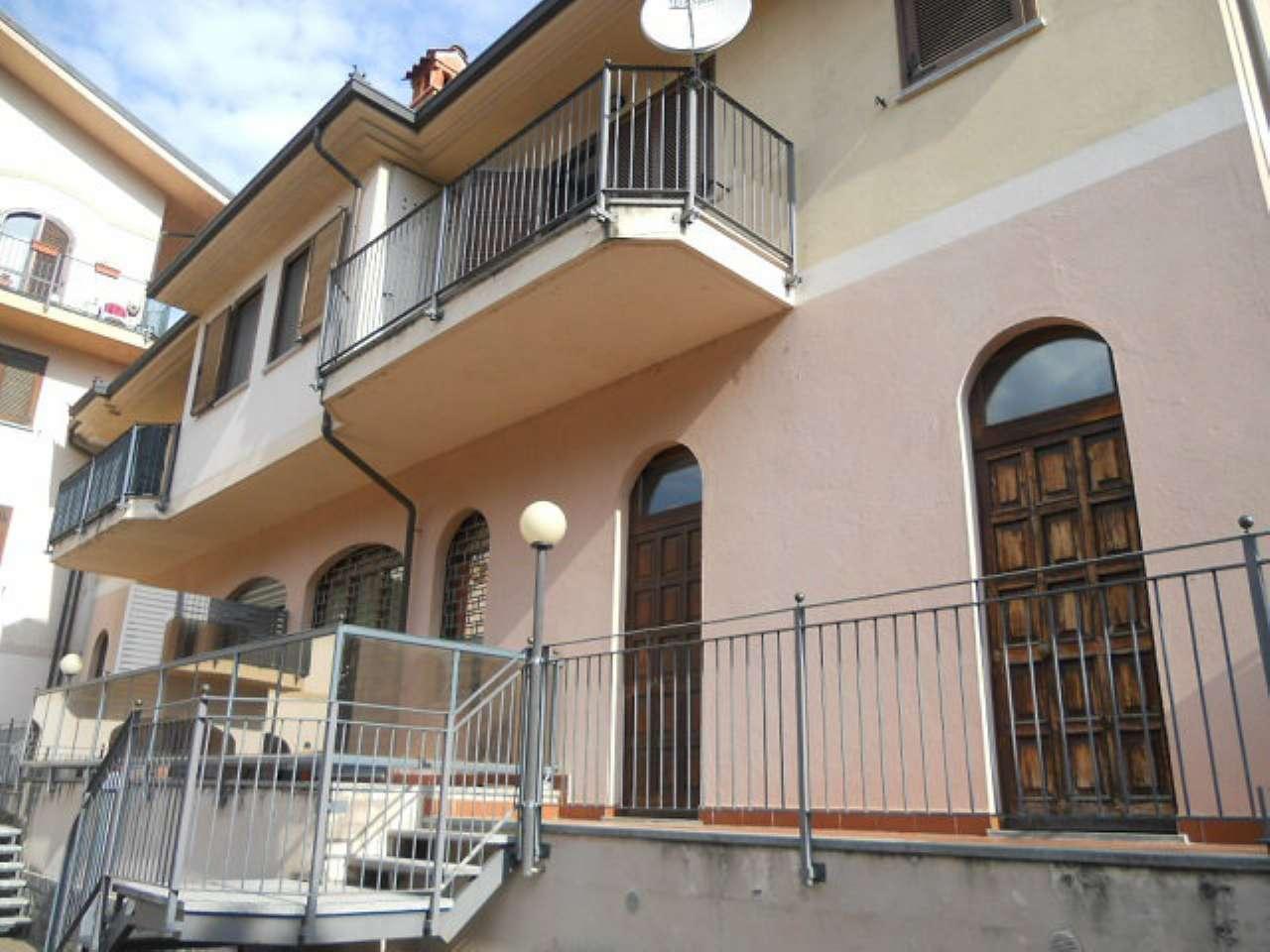 Appartamento in ottime condizioni parzialmente arredato in affitto Rif. 5875518