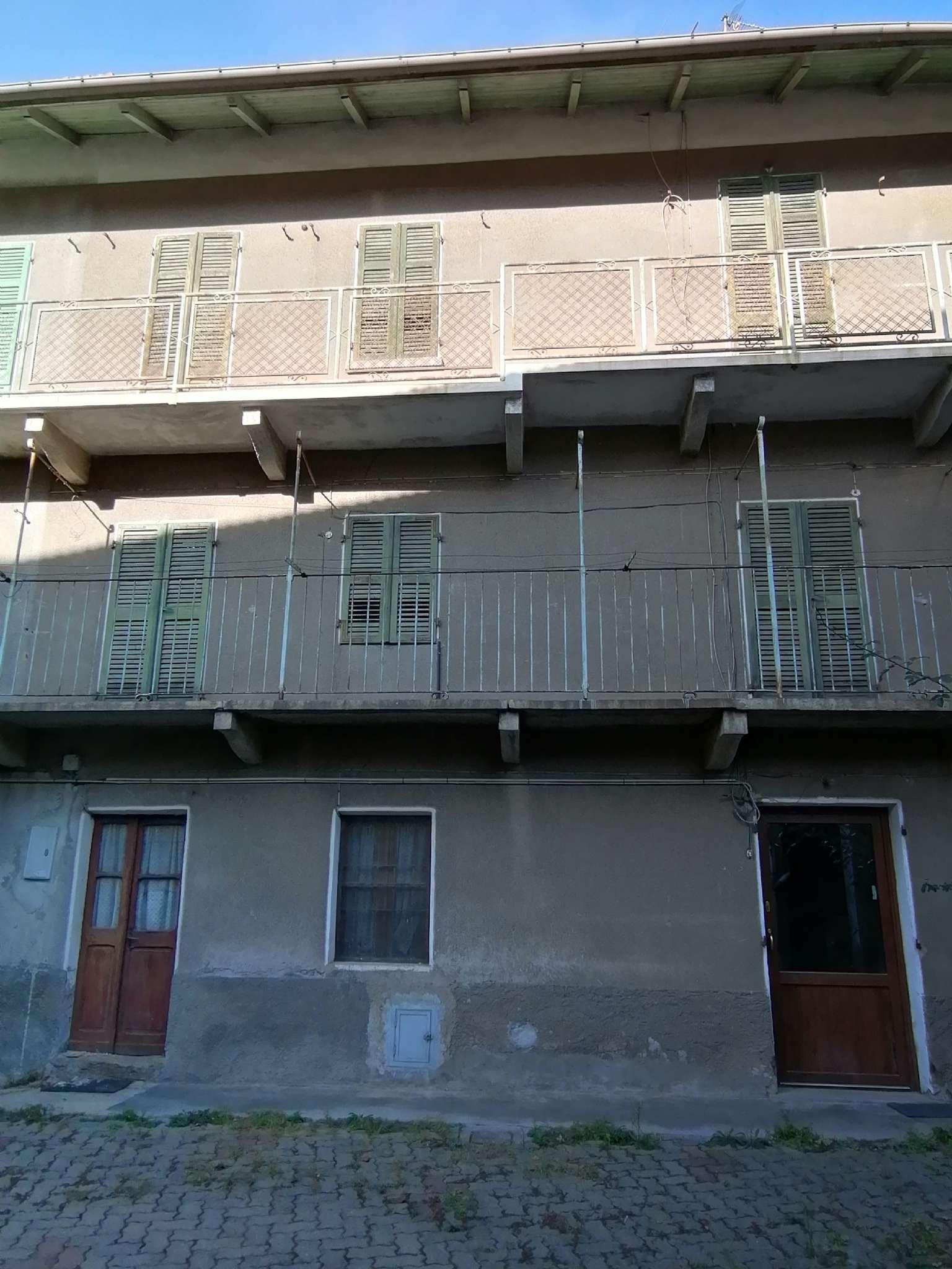 Palazzo / Stabile in vendita a Borgone Susa, 6 locali, prezzo € 35.000 | PortaleAgenzieImmobiliari.it