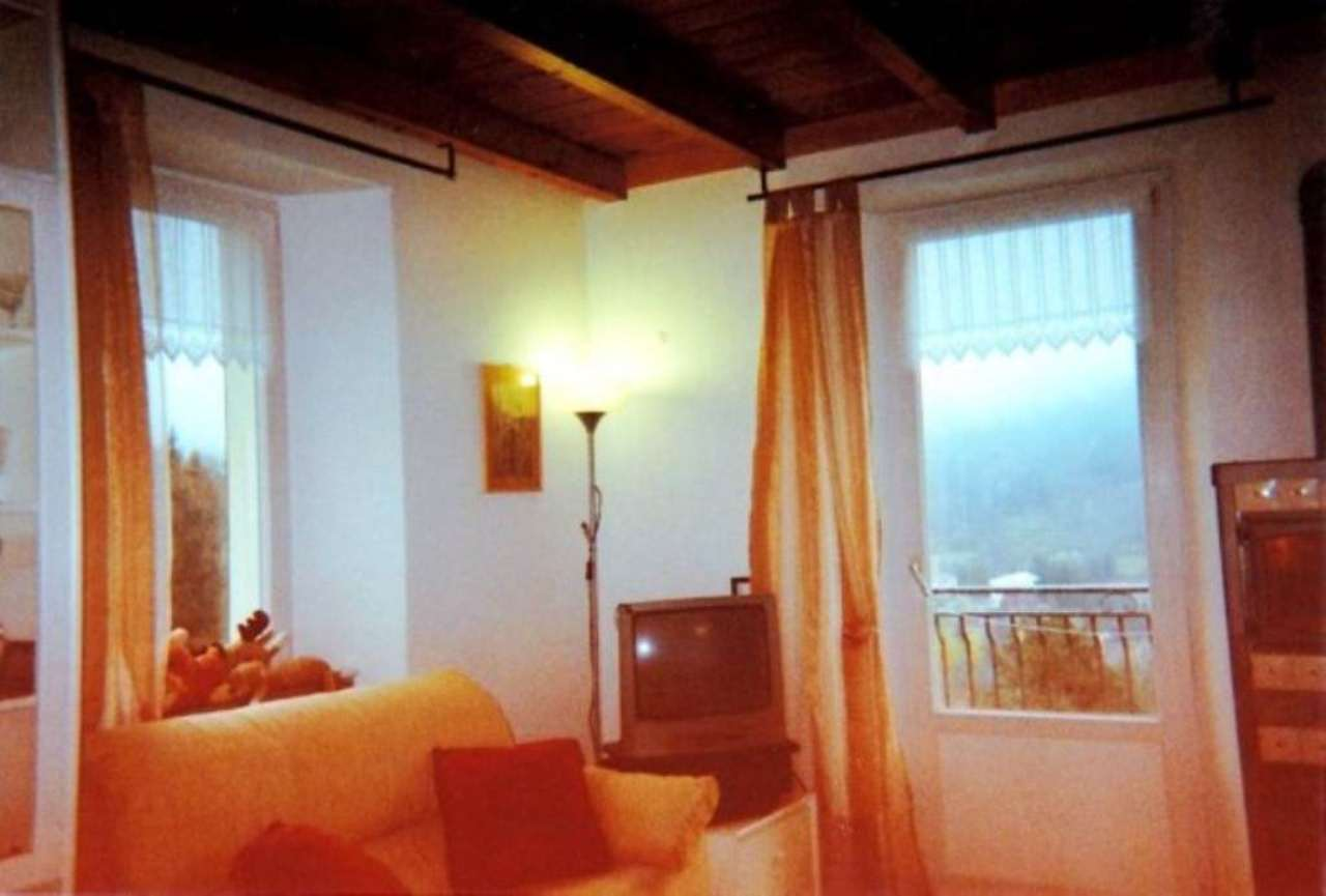 Appartamento in vendita a Santo Stefano d'Aveto, 3 locali, prezzo € 190.000 | CambioCasa.it