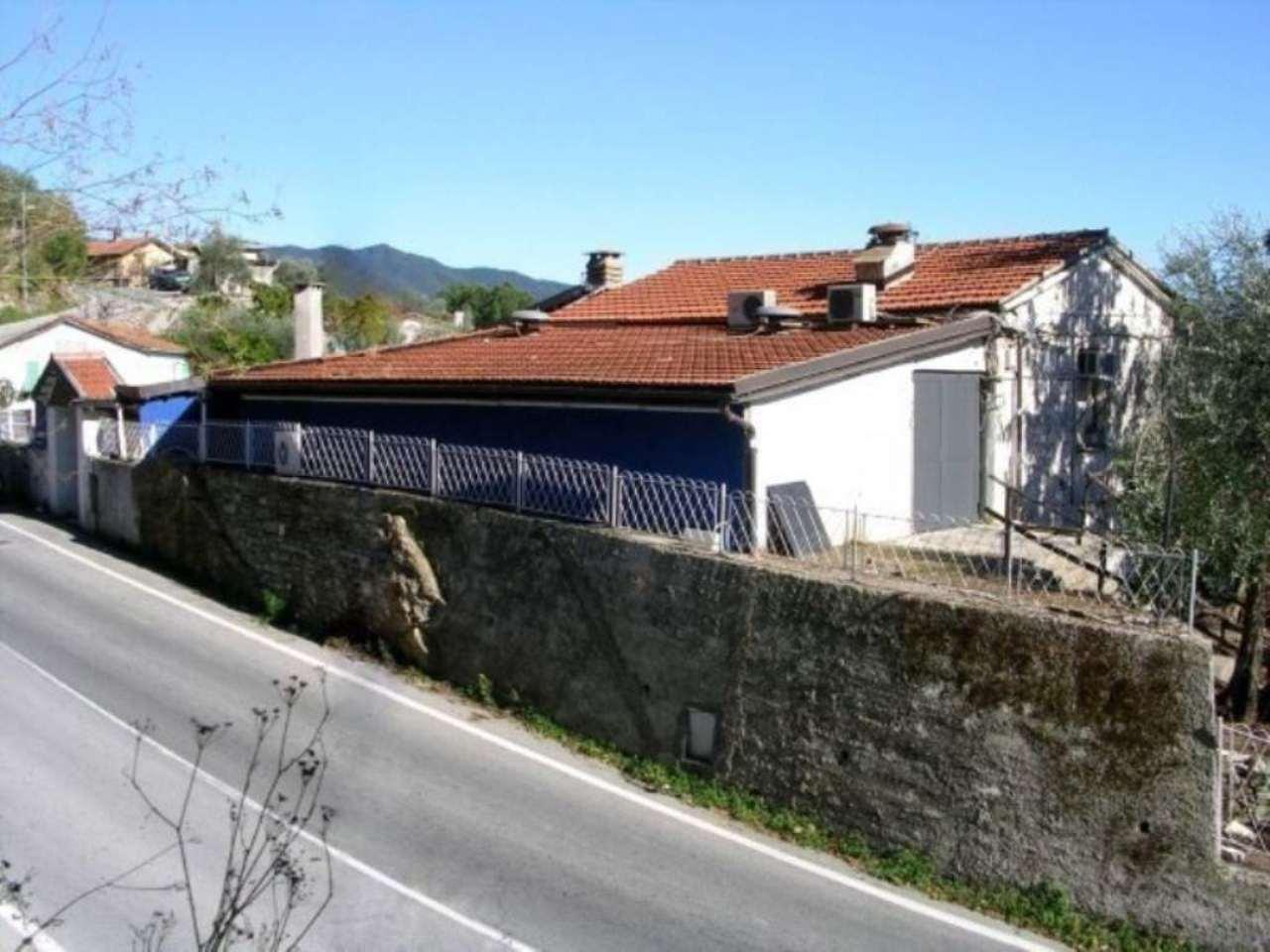 Negozio / Locale in vendita a Rapallo, 5 locali, prezzo € 780.000 | CambioCasa.it