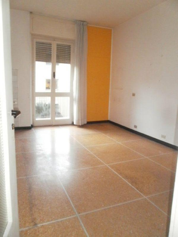 Ufficio / Studio in affitto a Recco, 5 locali, prezzo € 1.100 | CambioCasa.it