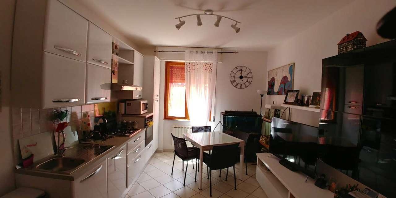 Appartamento ristrutturato parzialmente arredato in vendita Rif. 8065871
