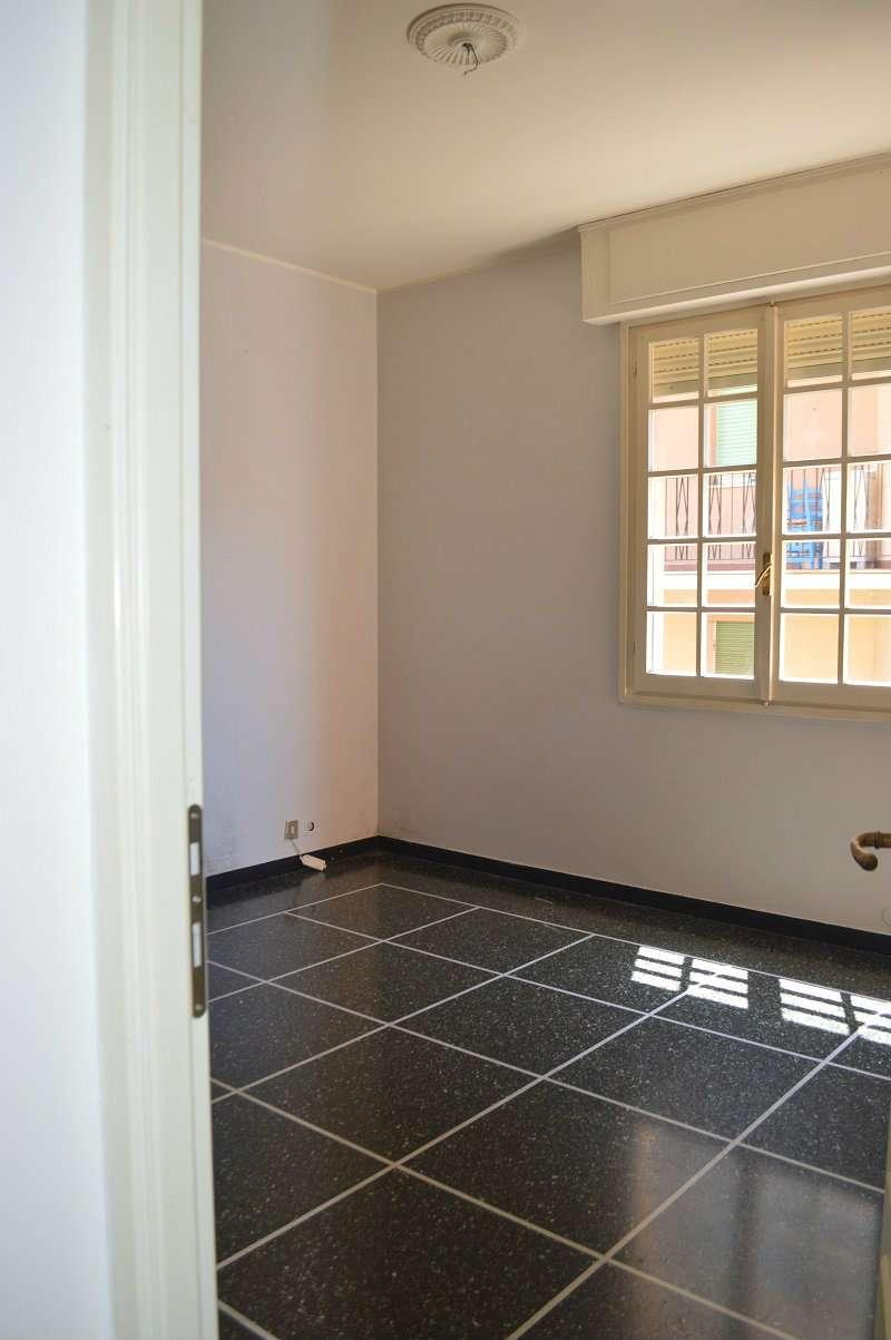 Appartamento in buone condizioni in affitto Rif. 8141902