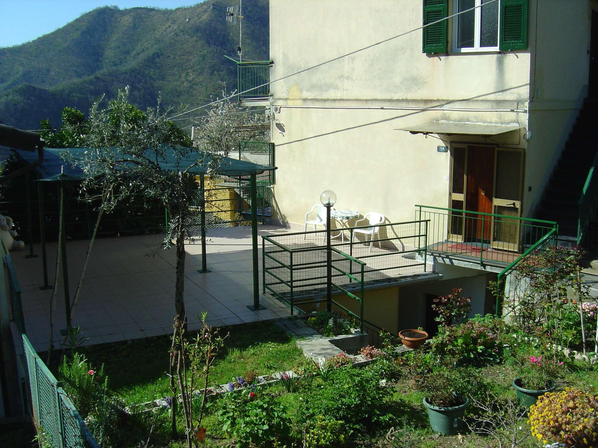 Appartamento in buone condizioni in affitto Rif. 8203310