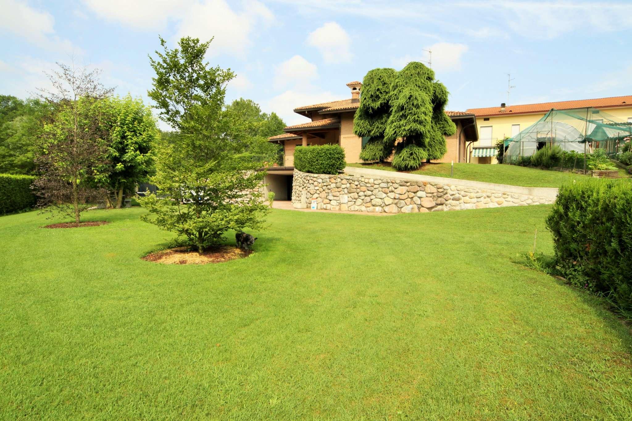 Villa in vendita a Uggiate-Trevano, 4 locali, prezzo € 985.000 | CambioCasa.it