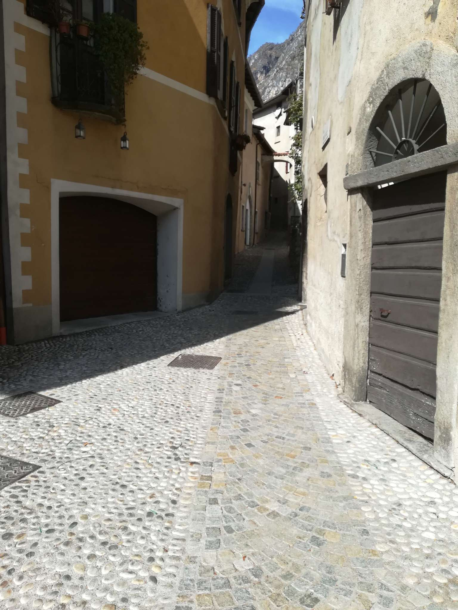 Appartamento in vendita a Porlezza, 4 locali, prezzo € 110.000 | PortaleAgenzieImmobiliari.it
