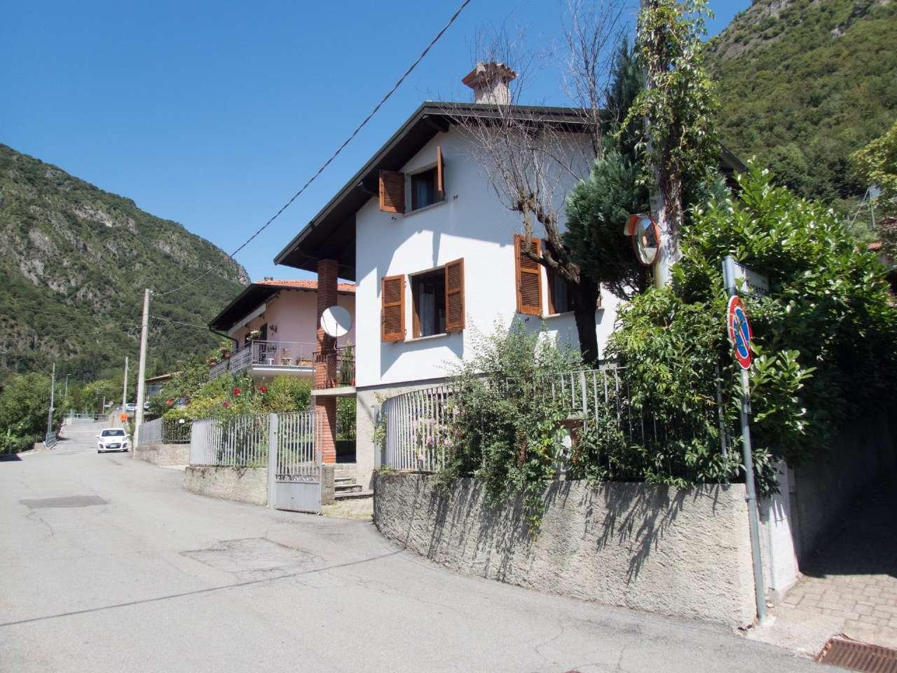 Villa in vendita a Carlazzo, 5 locali, prezzo € 210.000 | PortaleAgenzieImmobiliari.it