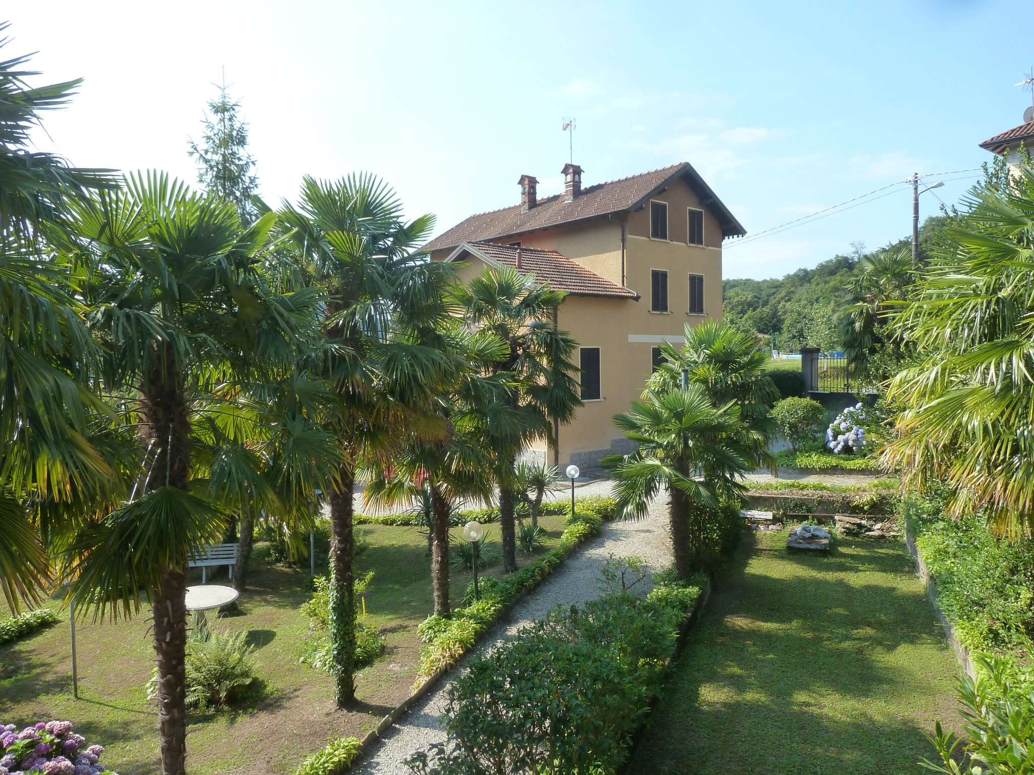 Villa in vendita a Dumenza, 7 locali, prezzo € 520.000 | PortaleAgenzieImmobiliari.it