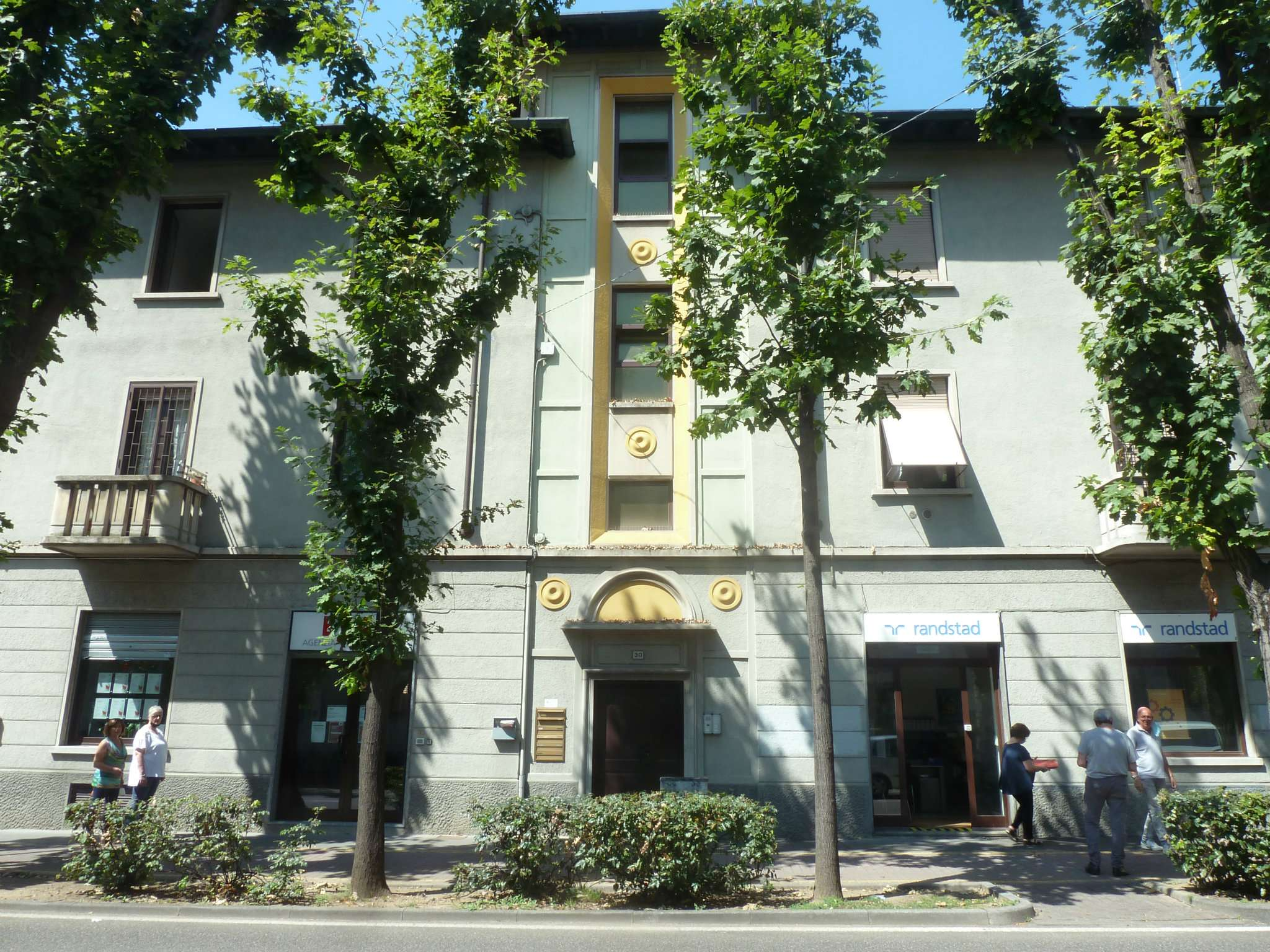 Ufficio / Studio in affitto a Saronno, 3 locali, prezzo € 800   PortaleAgenzieImmobiliari.it