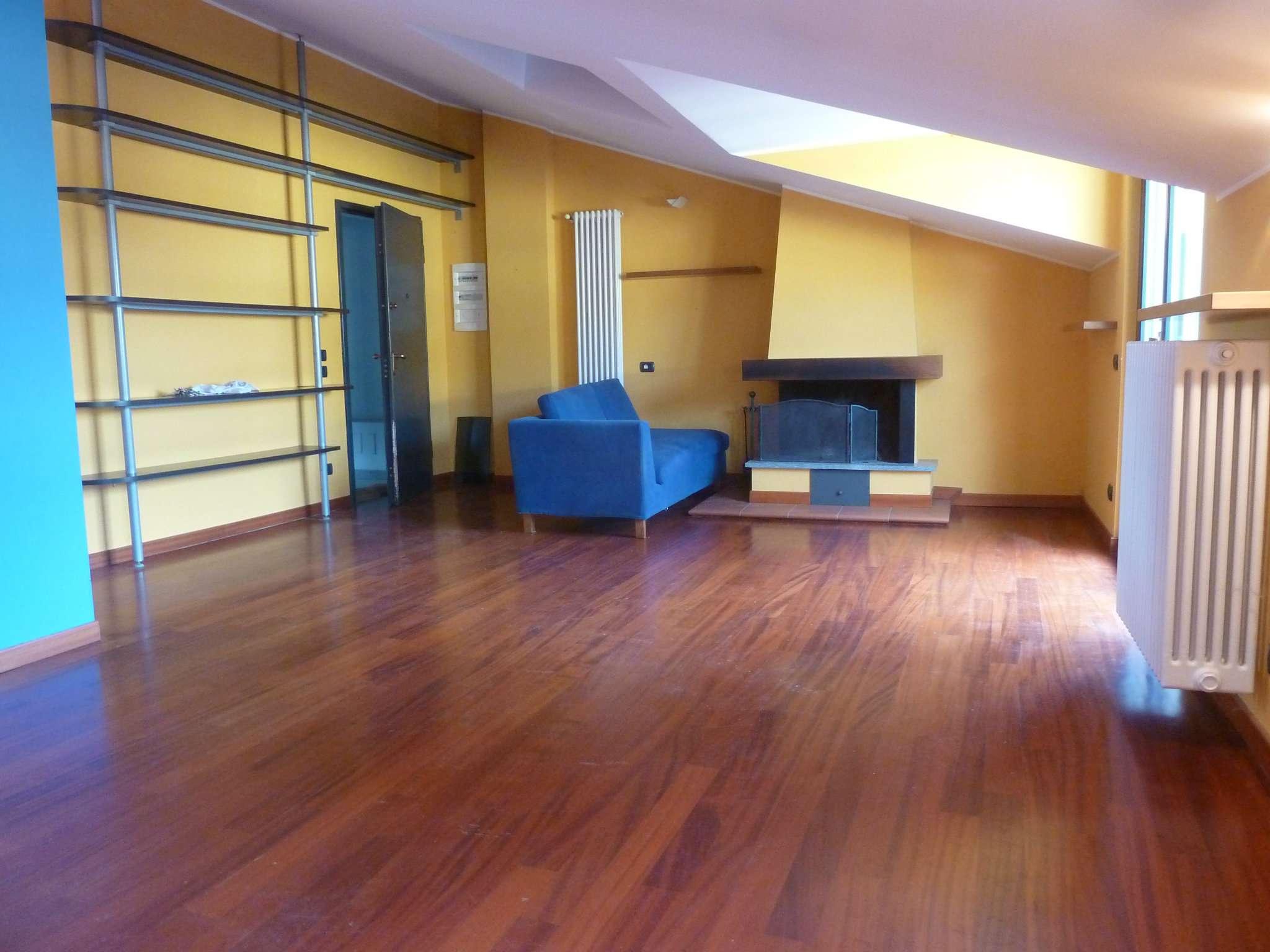 Attico / Mansarda in affitto a Tradate, 3 locali, prezzo € 850 | PortaleAgenzieImmobiliari.it