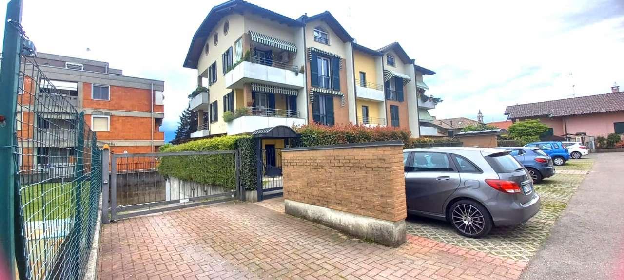 Appartamento in vendita a Cairate, 2 locali, prezzo € 128.000 | CambioCasa.it