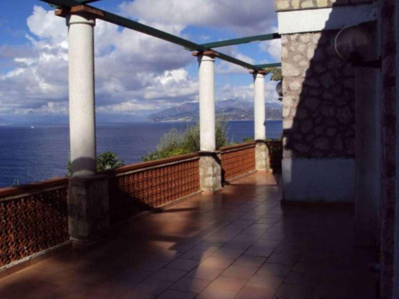 Villa in vendita a Anacapri, 6 locali, Trattative riservate | CambioCasa.it