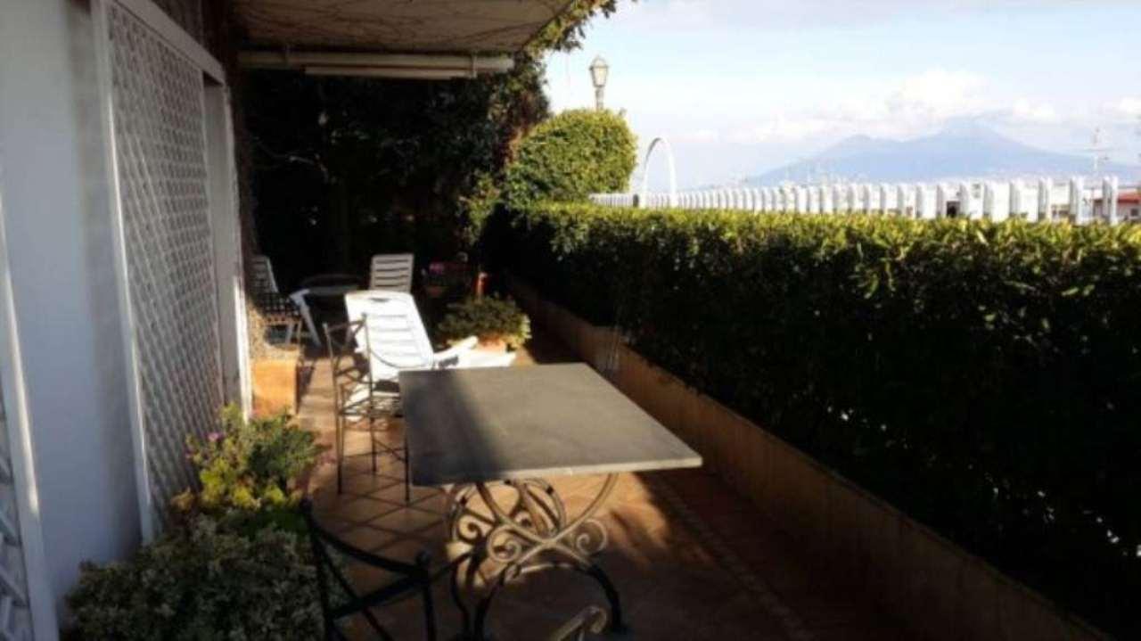 Appartamento in vendita a Napoli, 5 locali, zona Zona: 1 . Chiaia, Posillipo, San Ferdinando, prezzo € 1.090.000 | CambioCasa.it