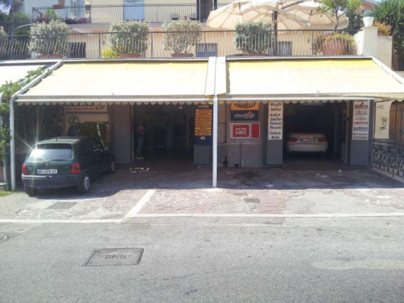 Negozio / Locale in affitto a Pozzuoli, 5 locali, prezzo € 2.000 | CambioCasa.it