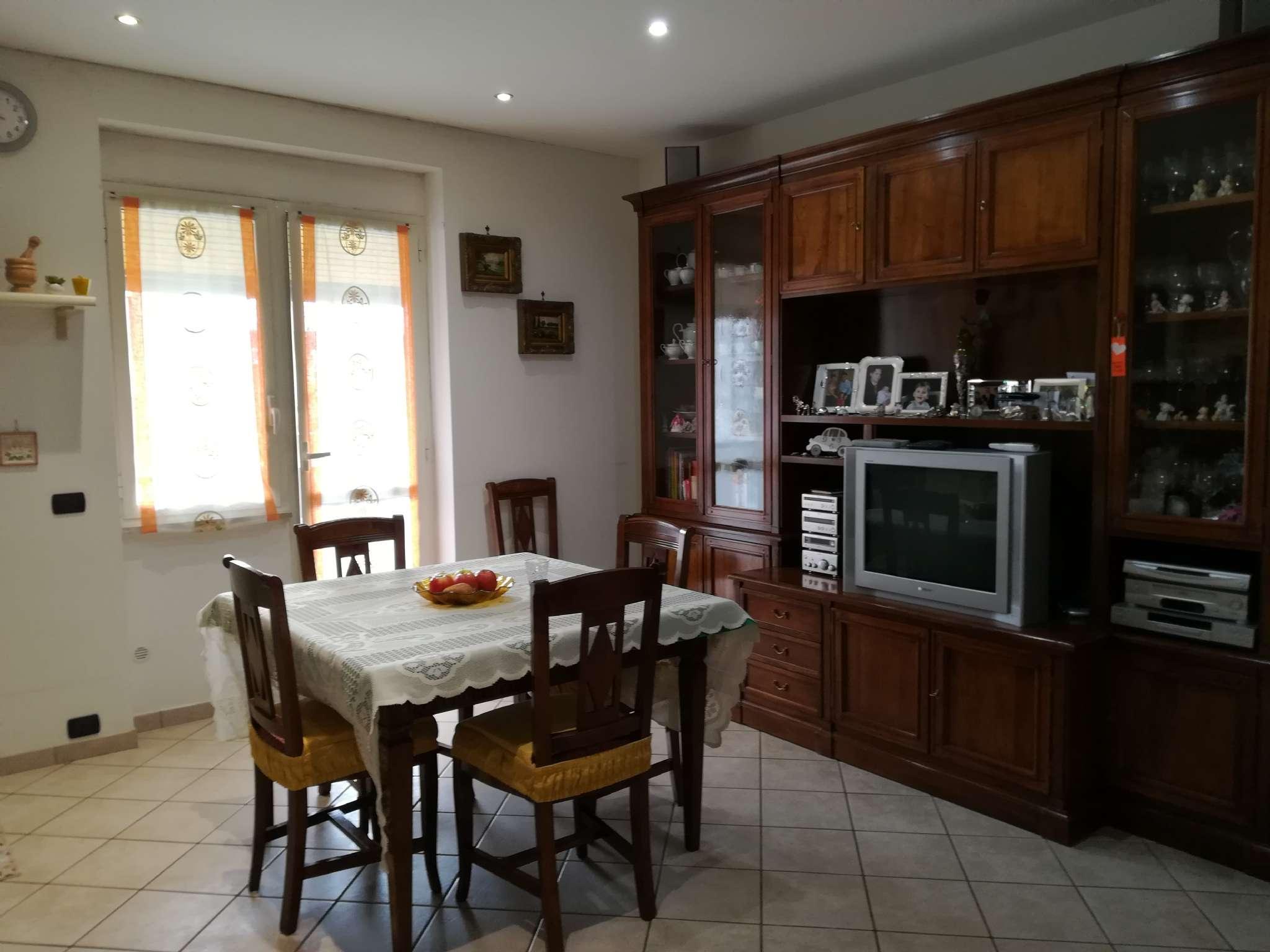 Appartamento ristrutturato in vendita Rif. 7849426