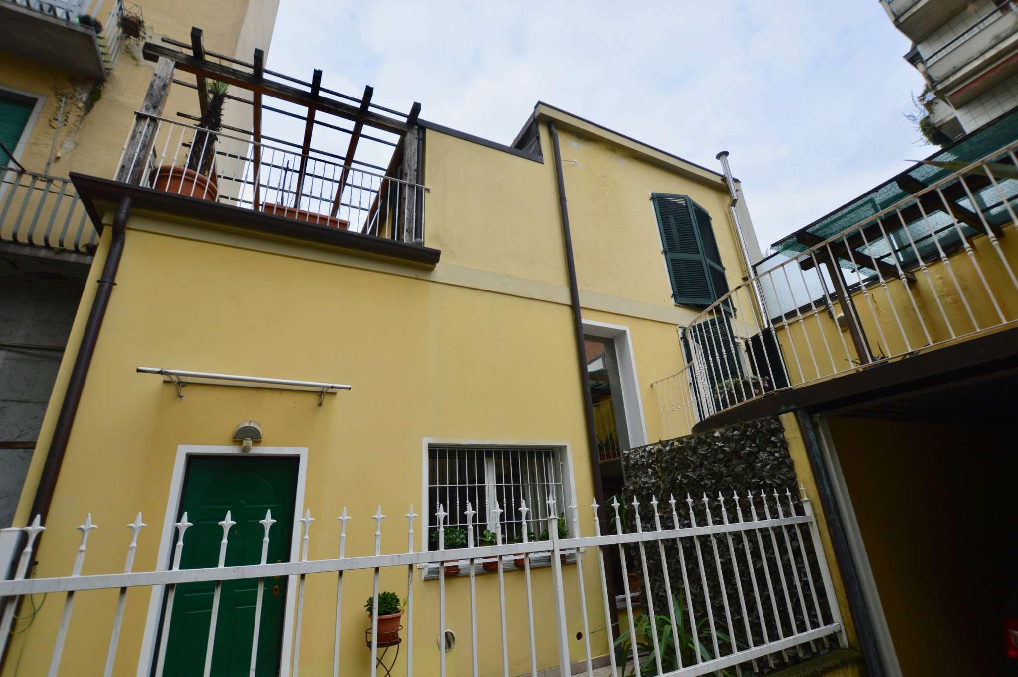 Villetta a schiera in ottime condizioni parzialmente arredato in vendita Rif. 9364674